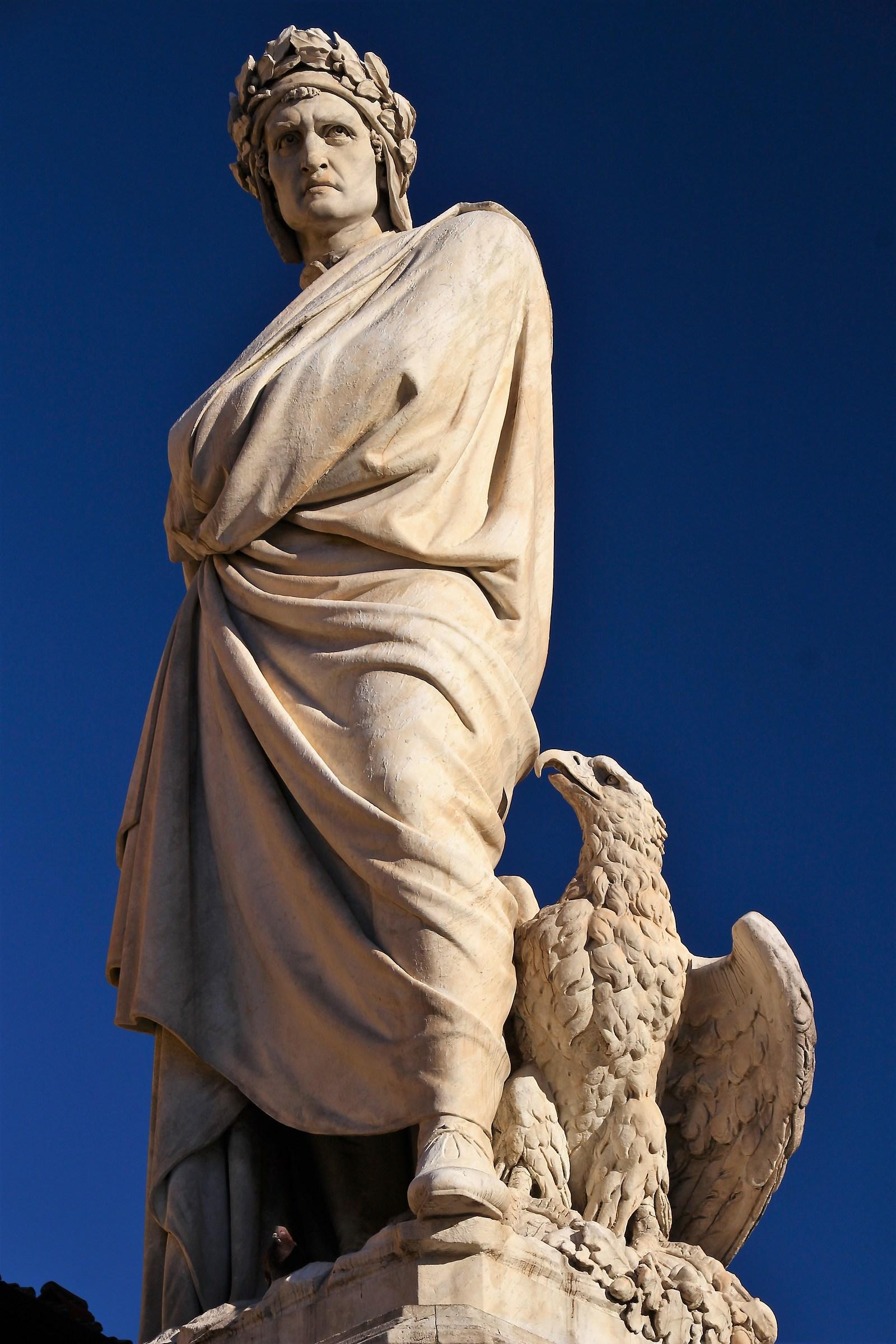 Dante in Piazza Santa Croce a Firenze...
