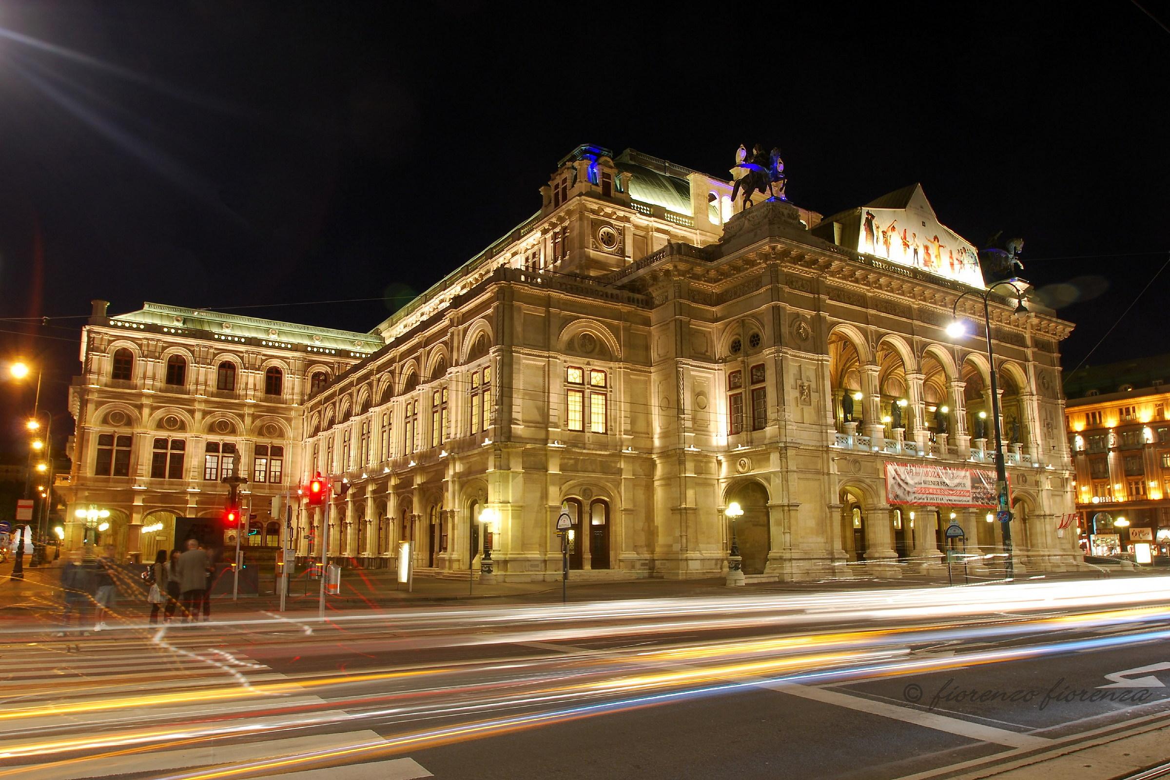 Vienna, il Teatro dell'Opera...