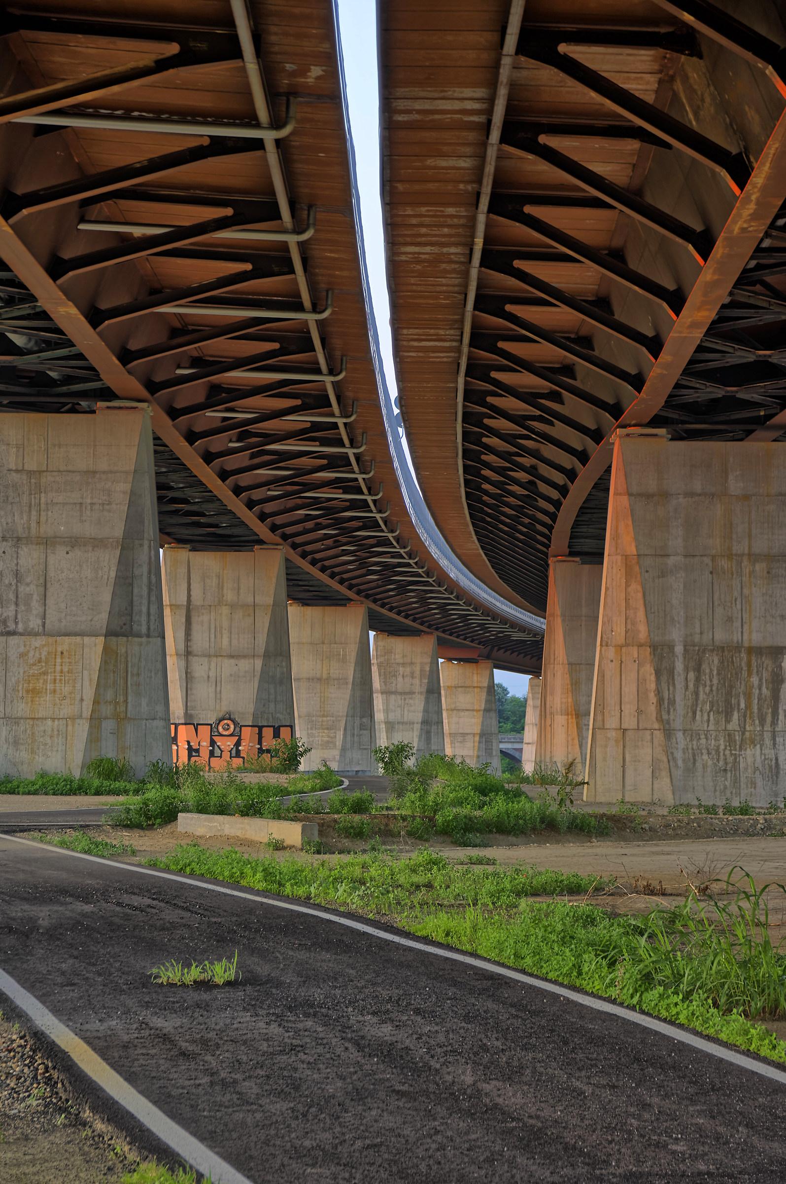 Soto The bridge...