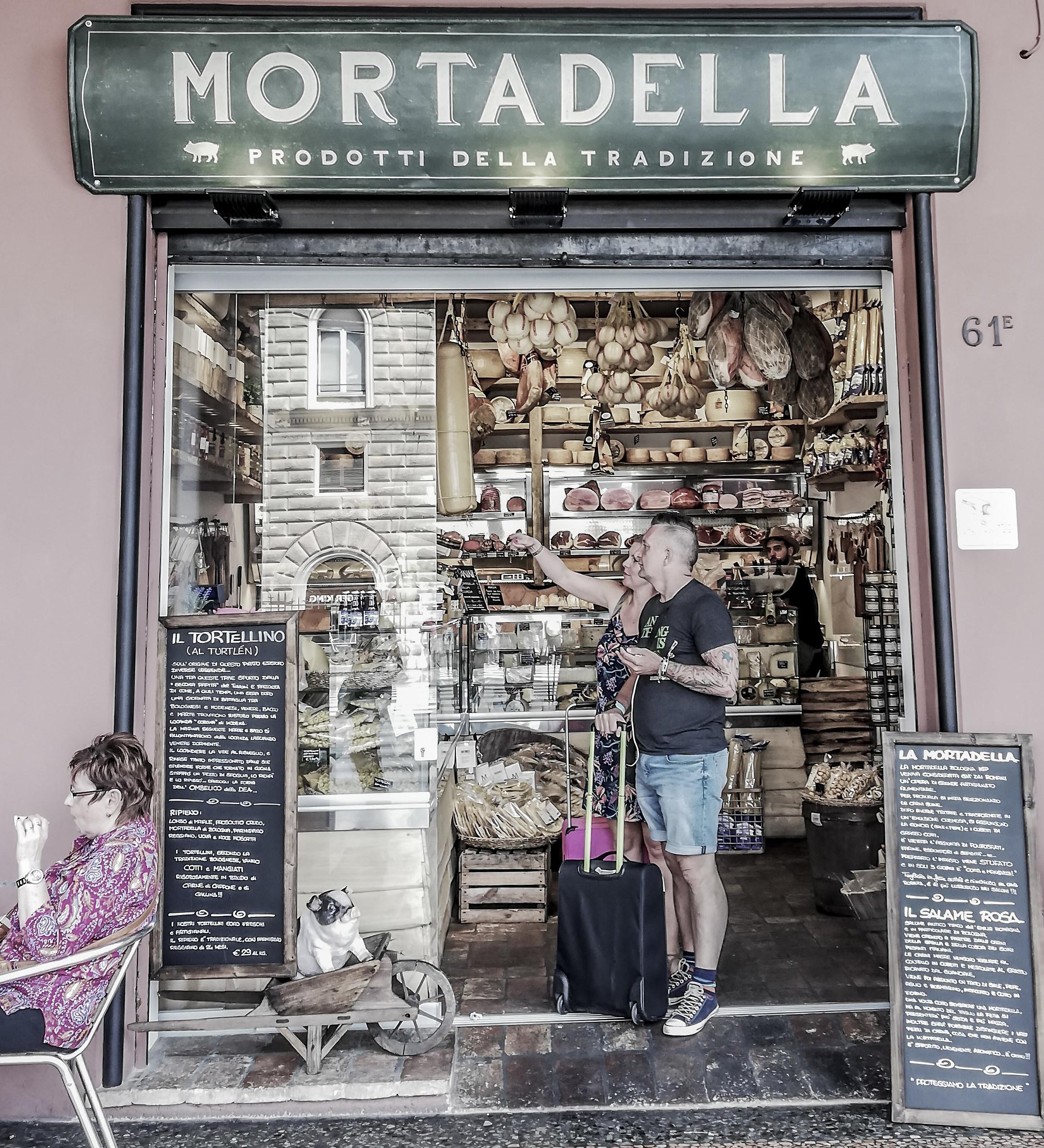 Mortadelleria_Bologna...