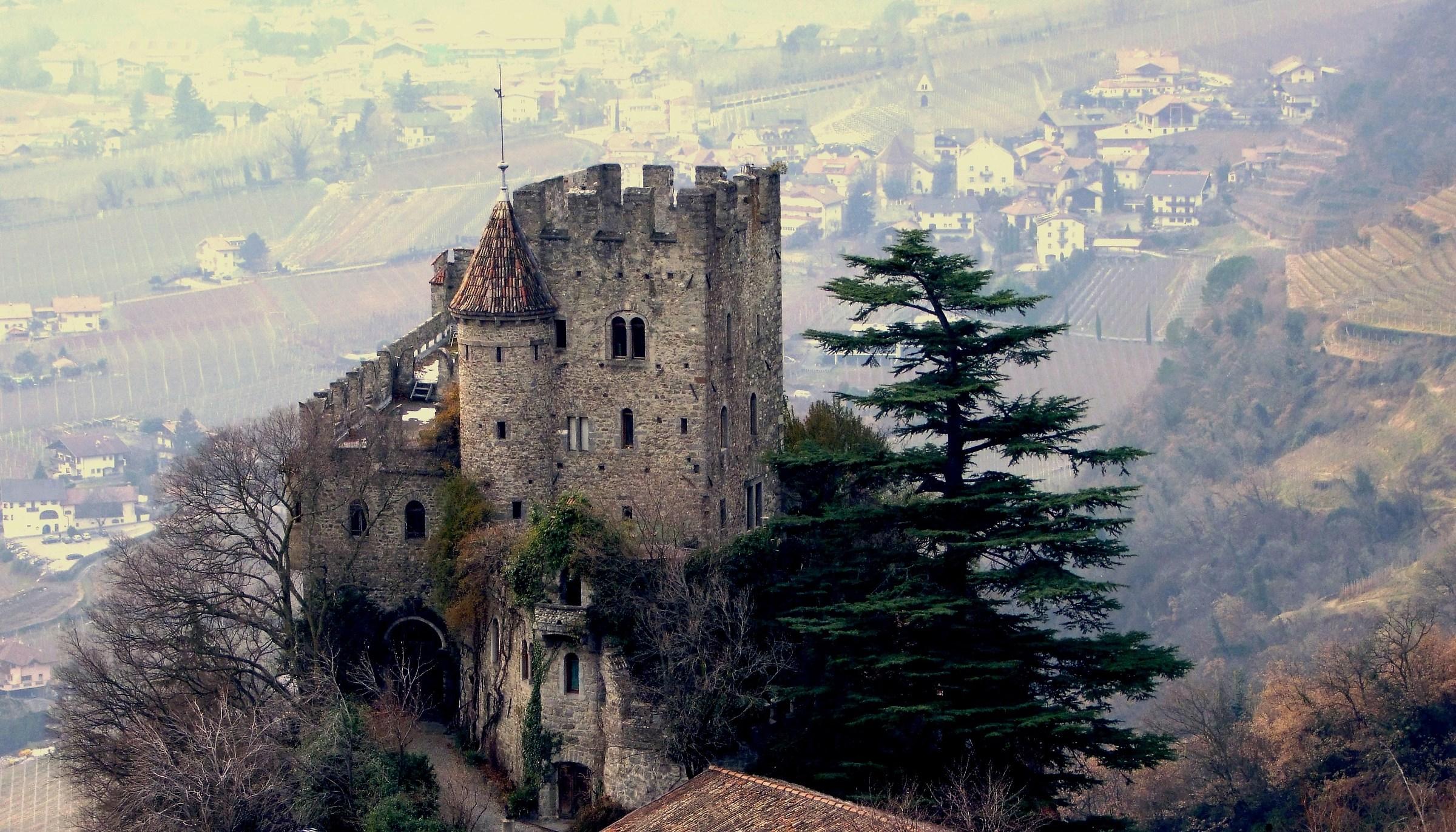Castel Fontana...