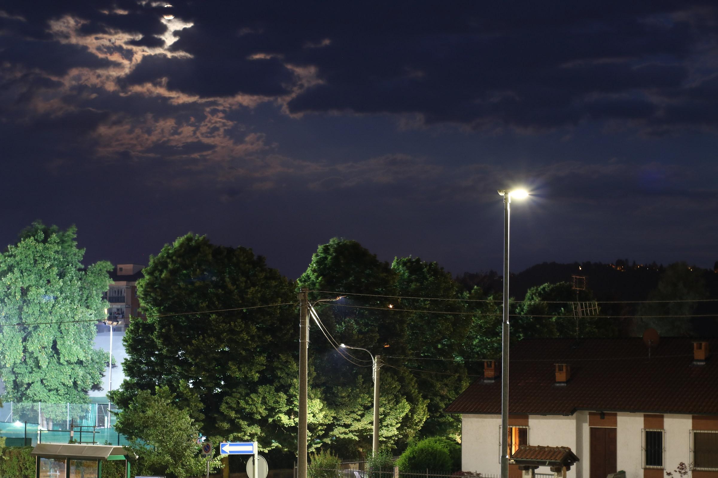 fotografia di luce con il Yongnuo YN 50mm f/1.8 II...