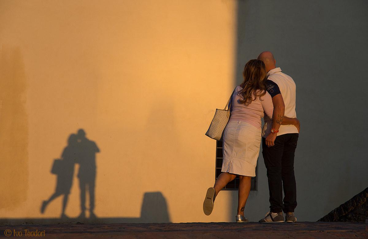 Comacchio: Selfie on the bridge of the cops....