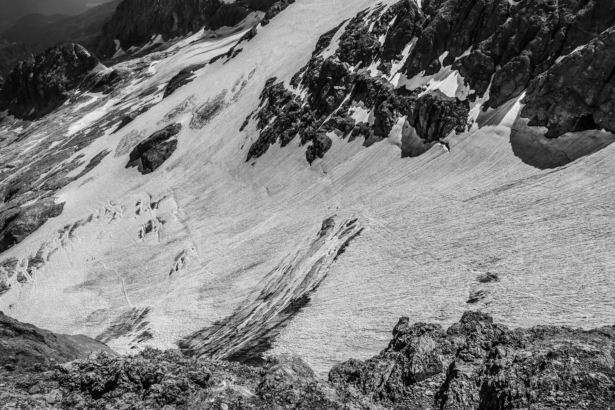 Cordate sul ghiacciaio della Marmolada...