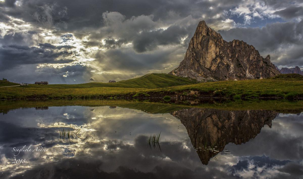 The reflection of Ra Gusela...