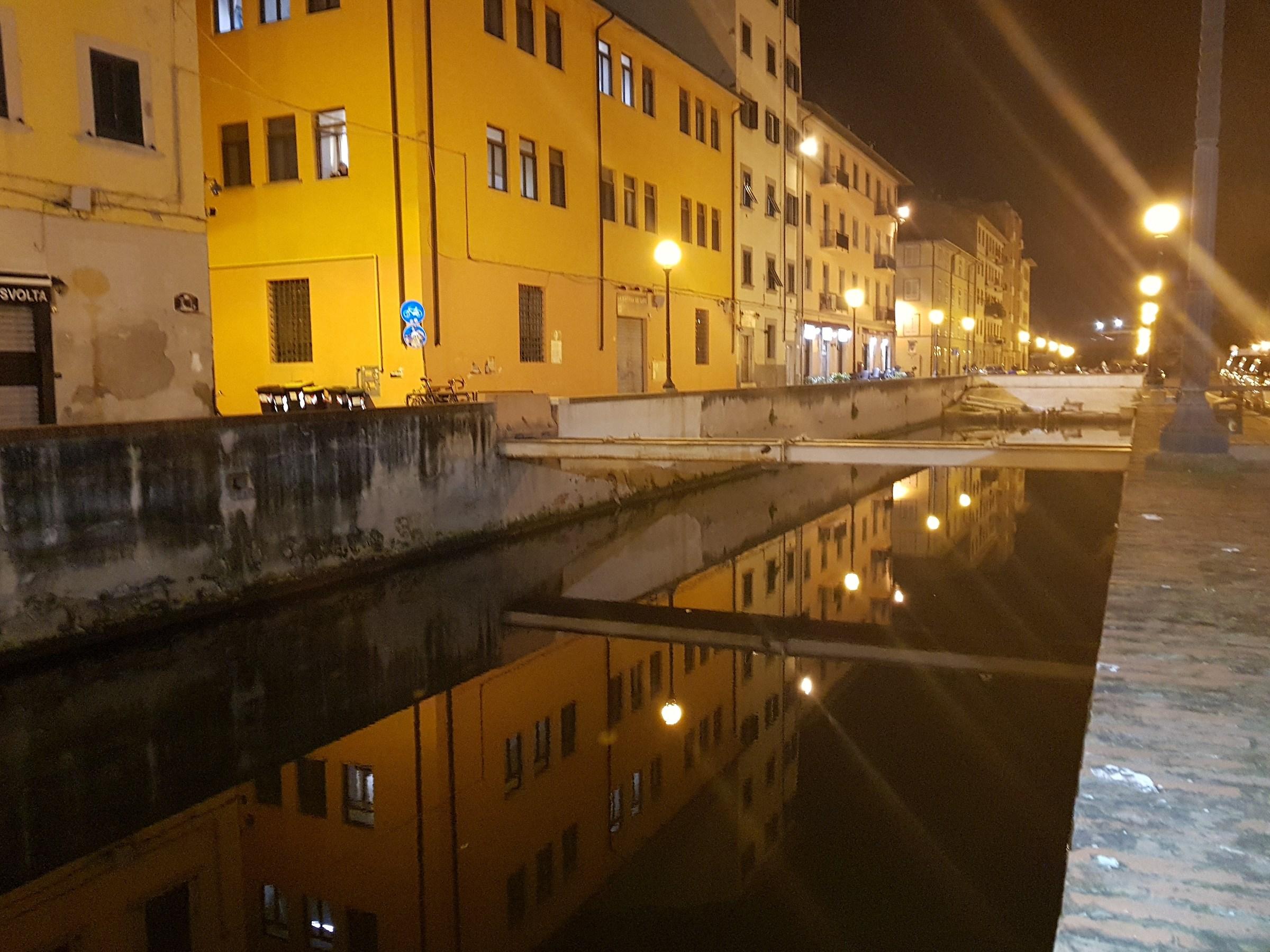 Lo specchio di notte...