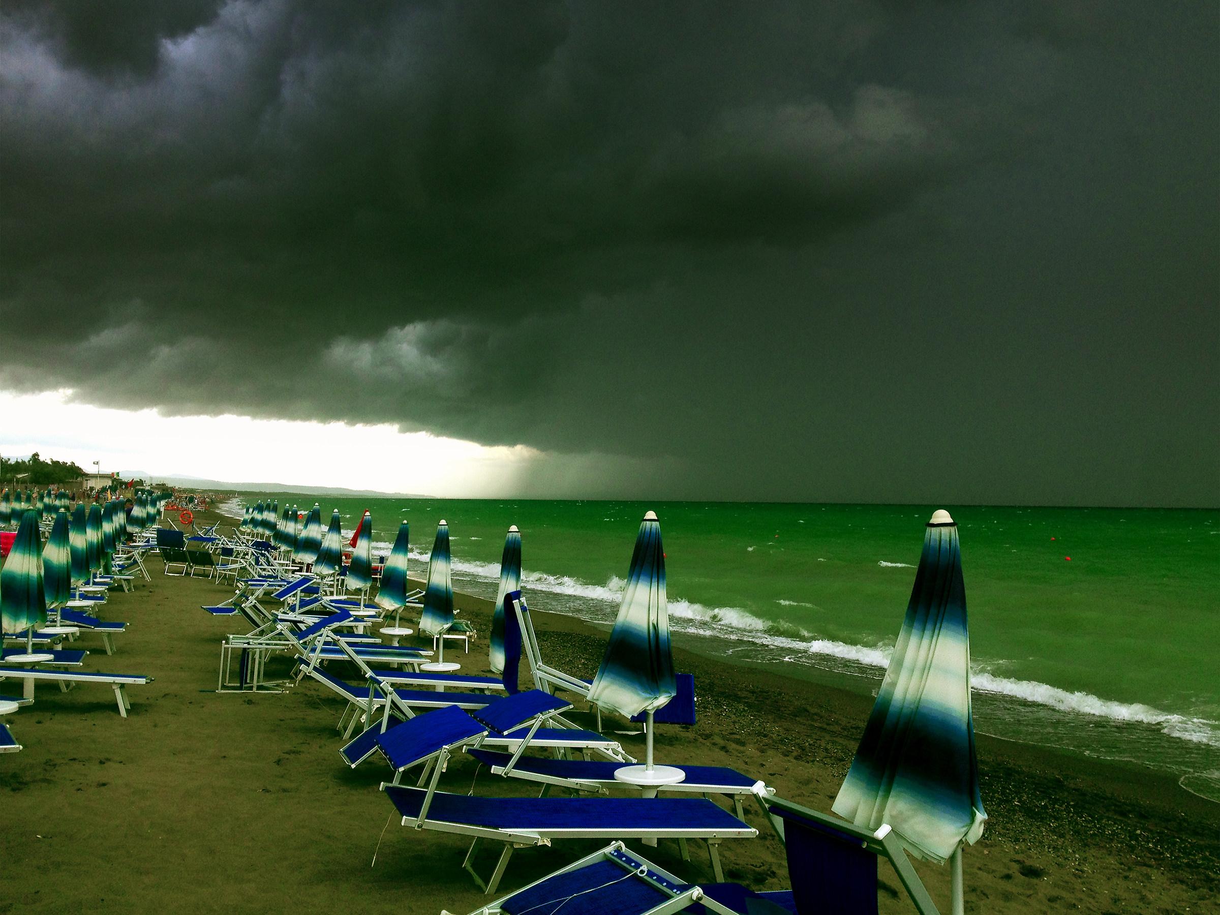 Under a leaden sky...