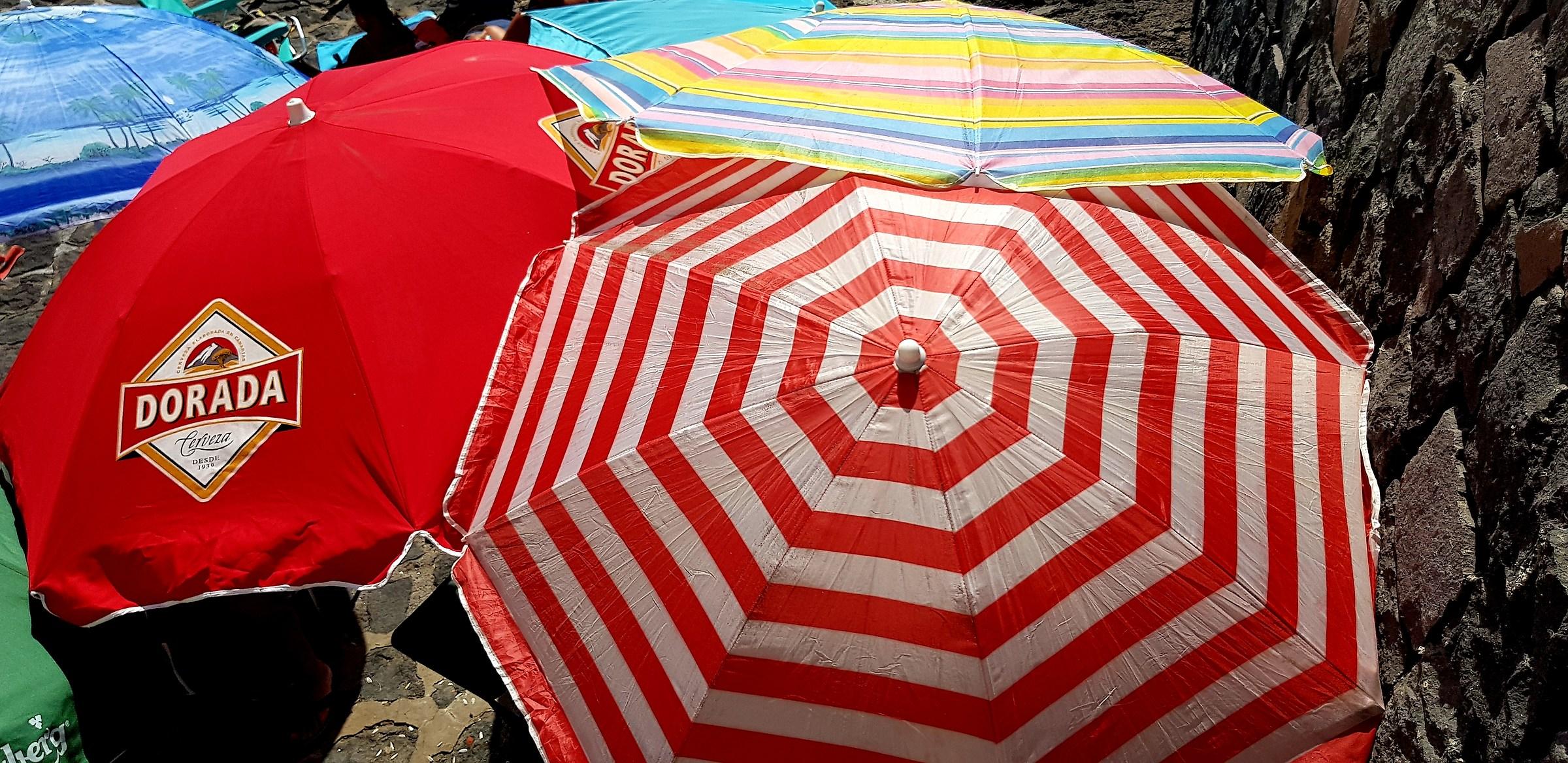 Colors in the warm sunshine of Cadiz ...