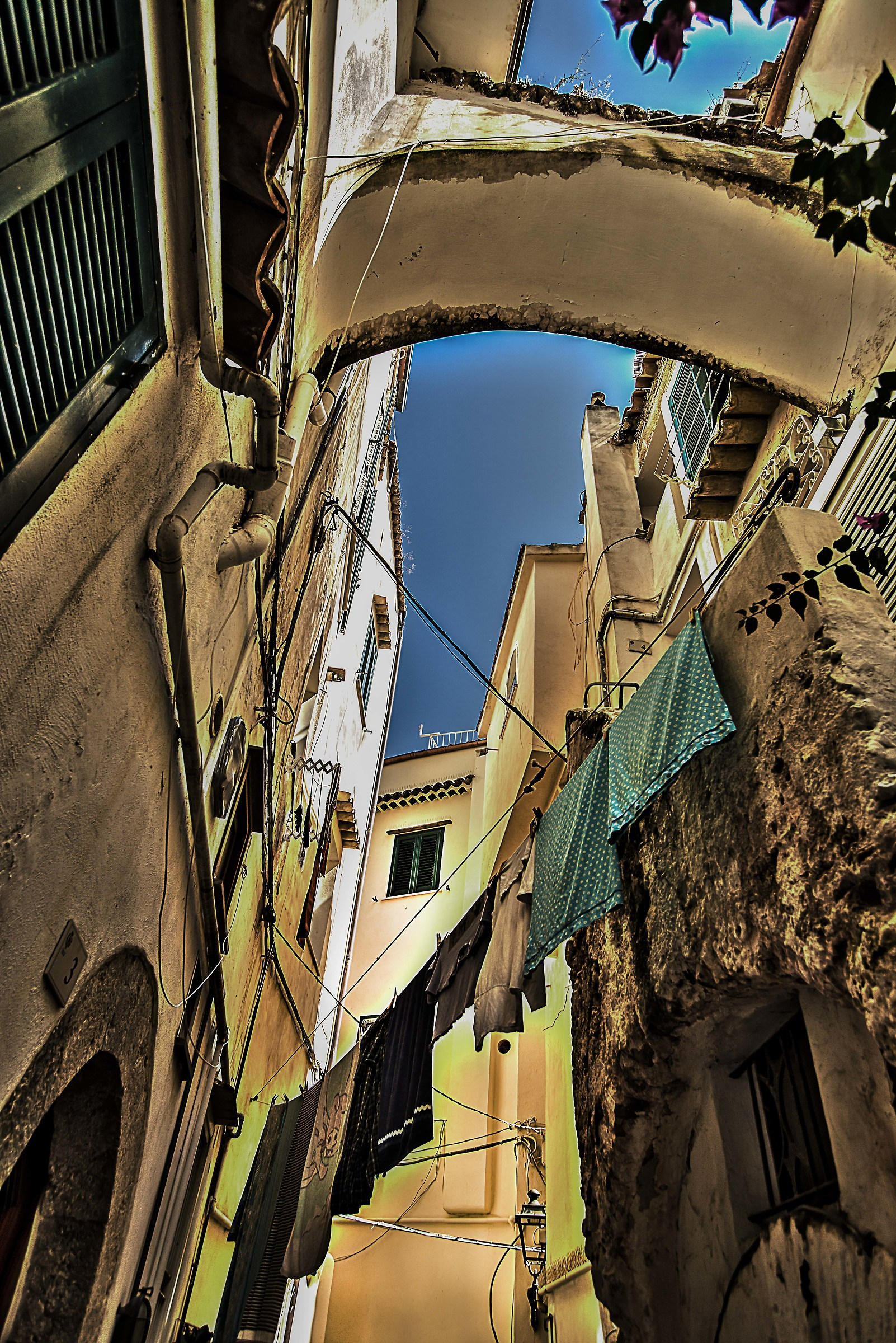 Between the alleys of Sperlonga...