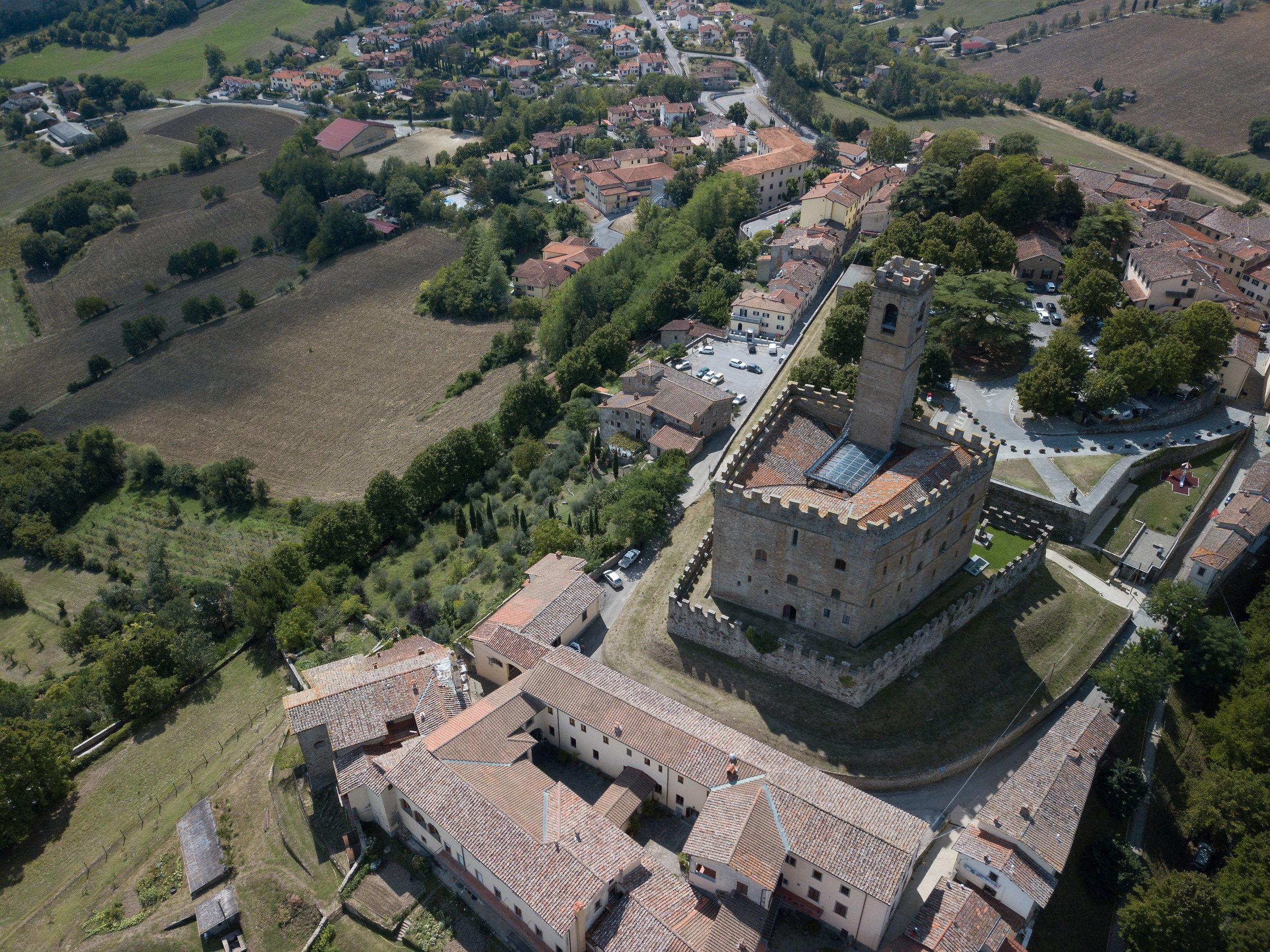 Castello di Poppi (ar)...