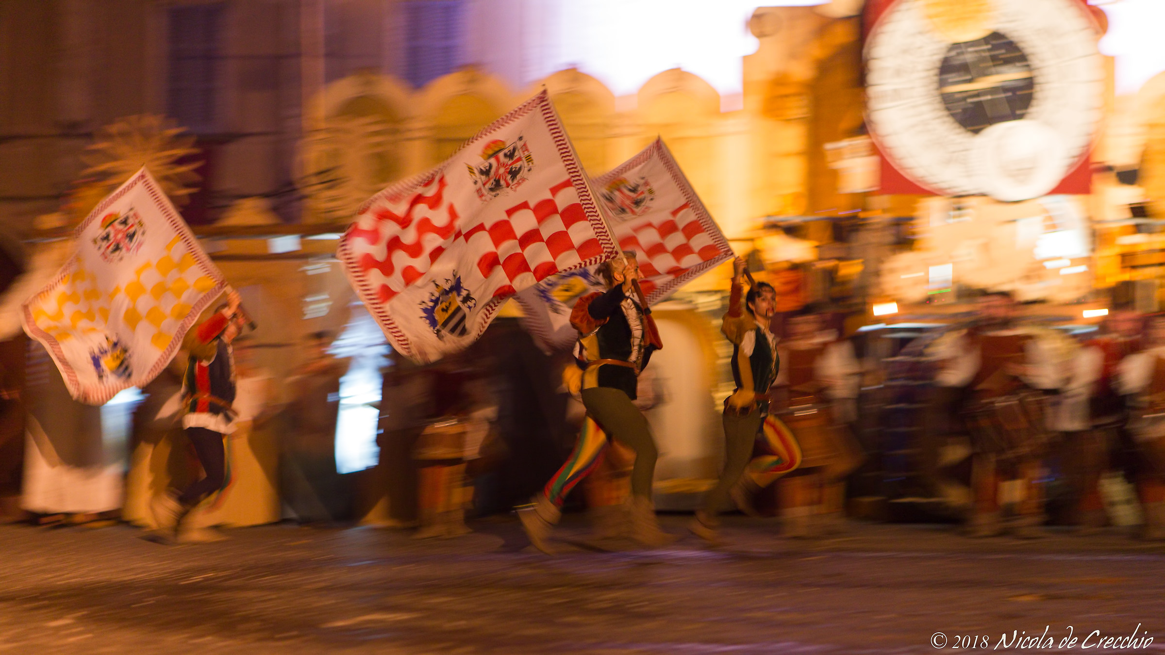 Flag throwers and musicians from Dovara...