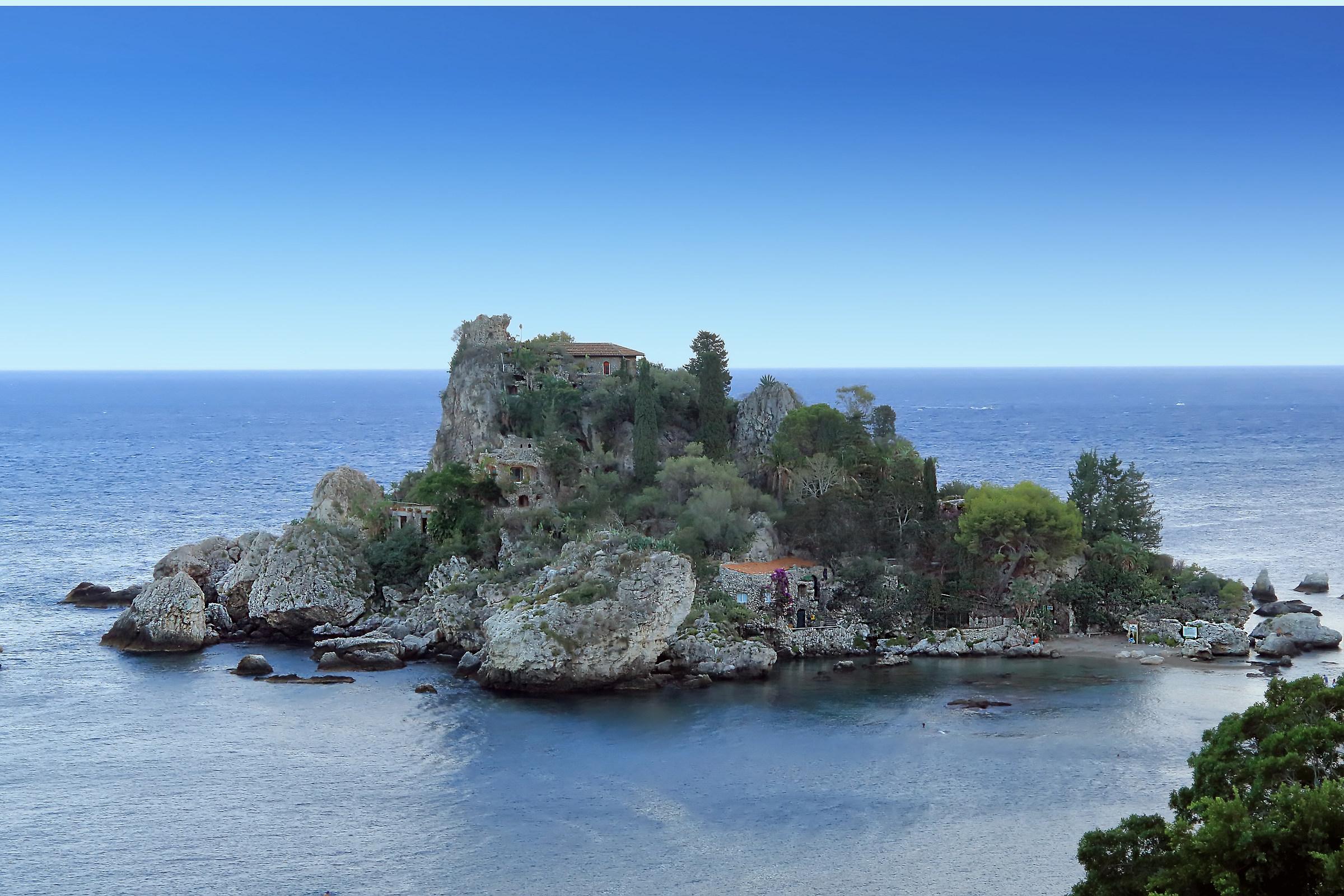 L'isola Bella (isula Bedda in siciliano)...