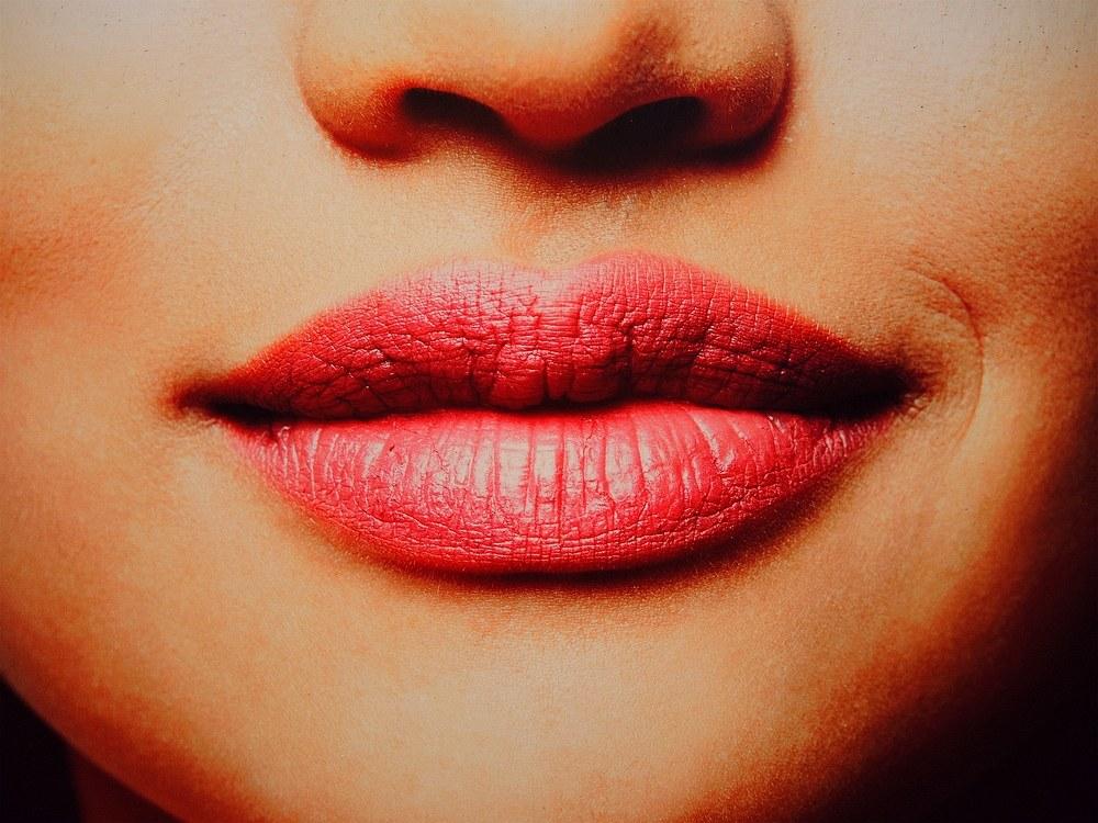 Nessun bacio per favore...