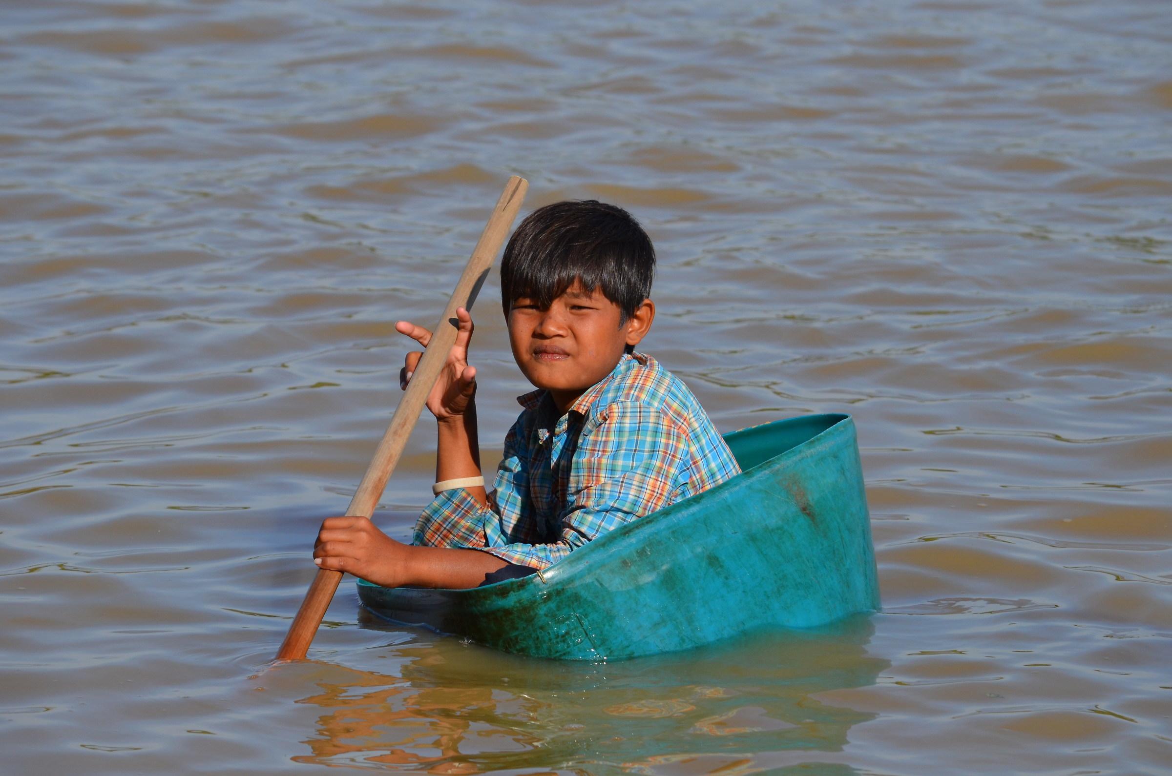 Alternative boat on Tonle Sap Lake...