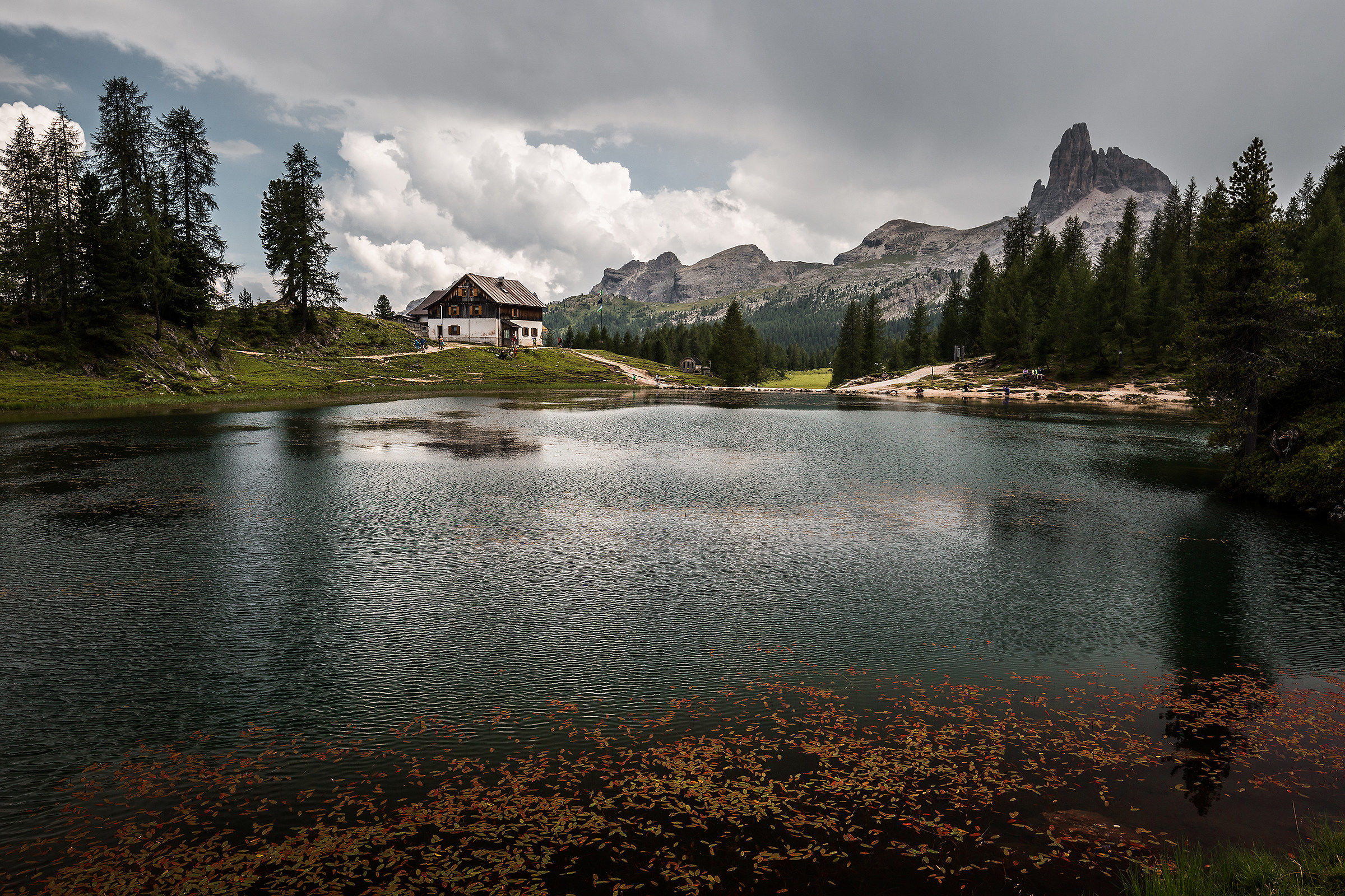 Rifugio Croda da Lago e Lago Fedara...