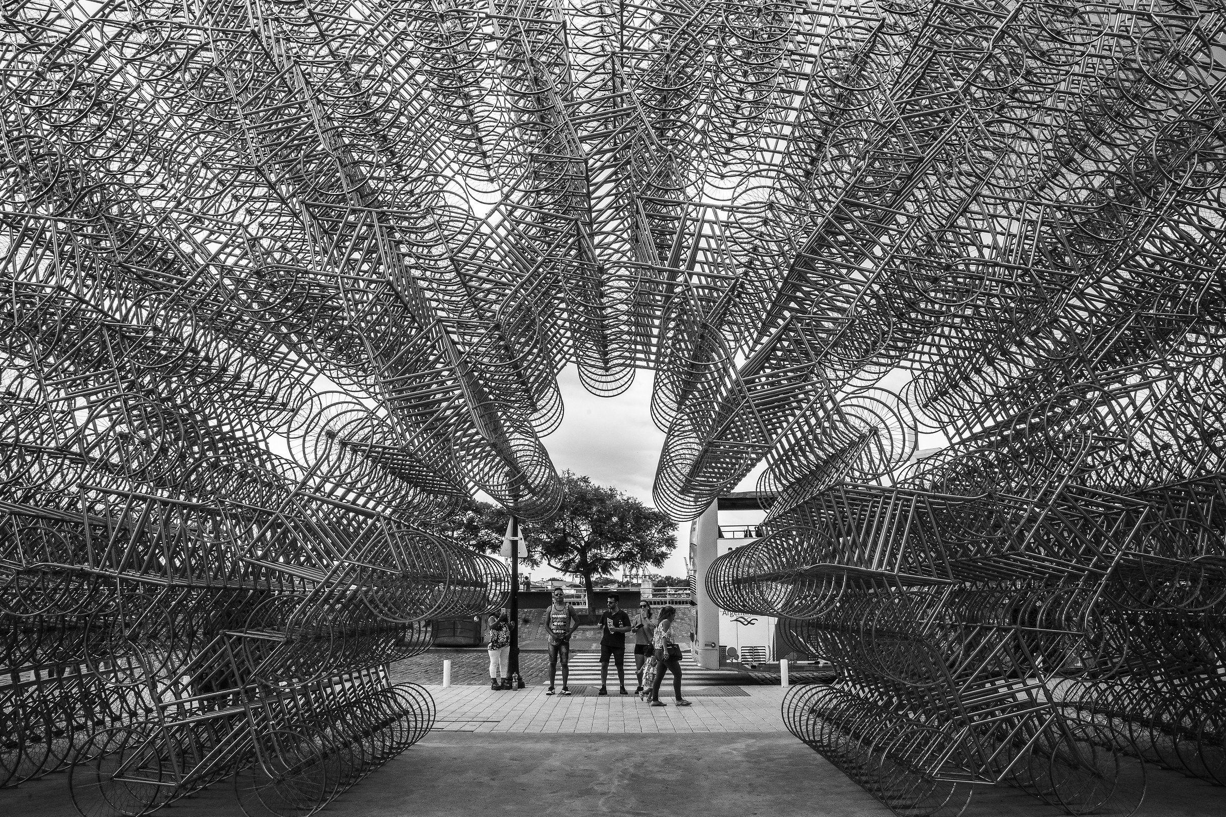 Tutti in bici! Ai Weiwei, istallazione, Buenos Aires...