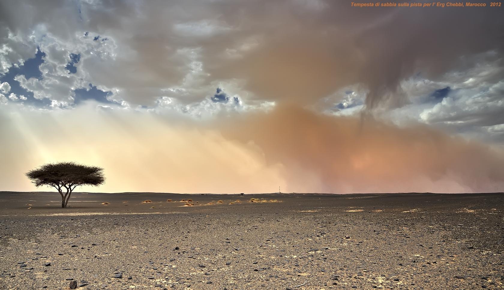 Tempesta di sabbia verso l'Erg Chebbi......