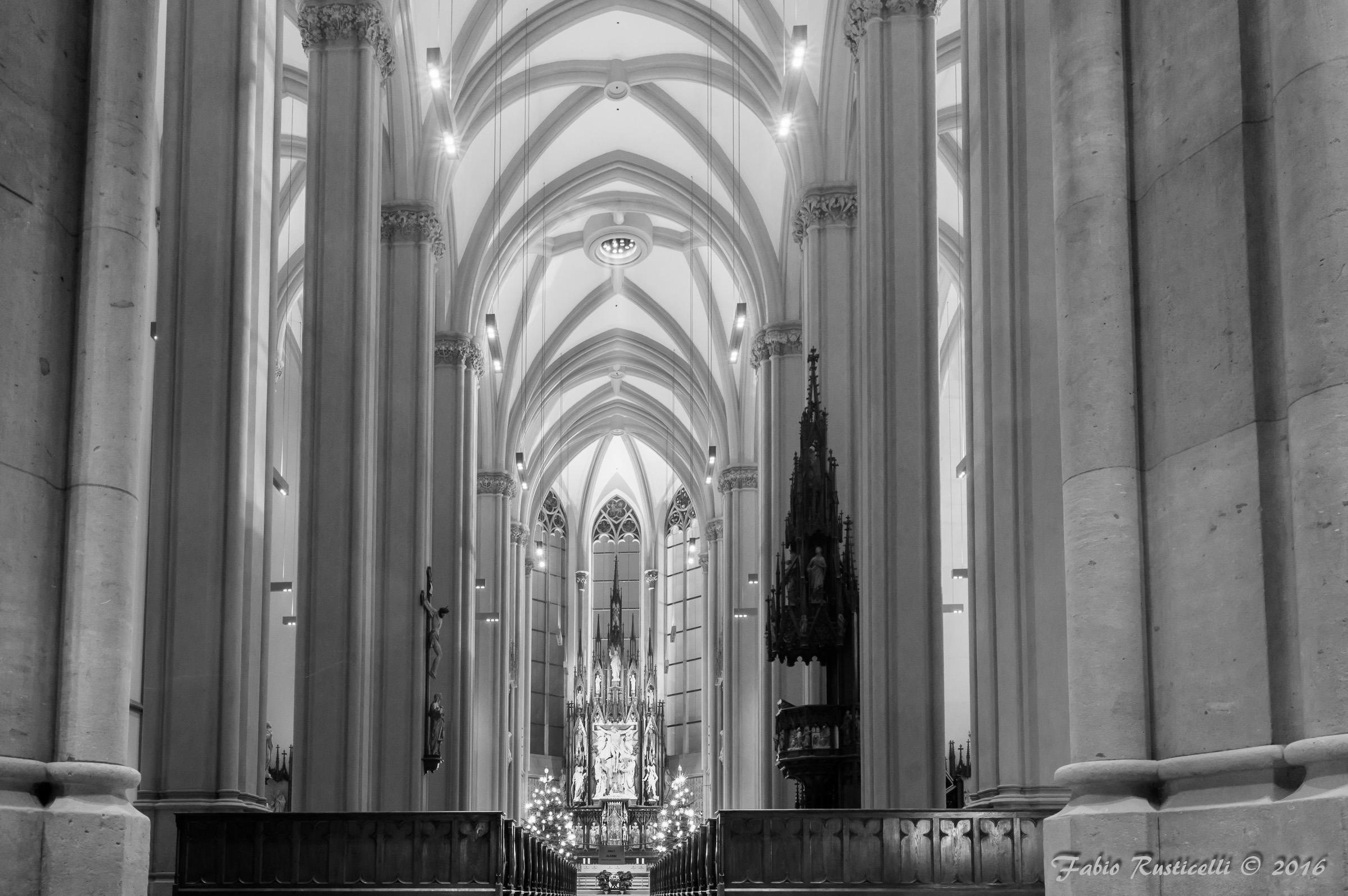 Heilig Kreuz Kirche...