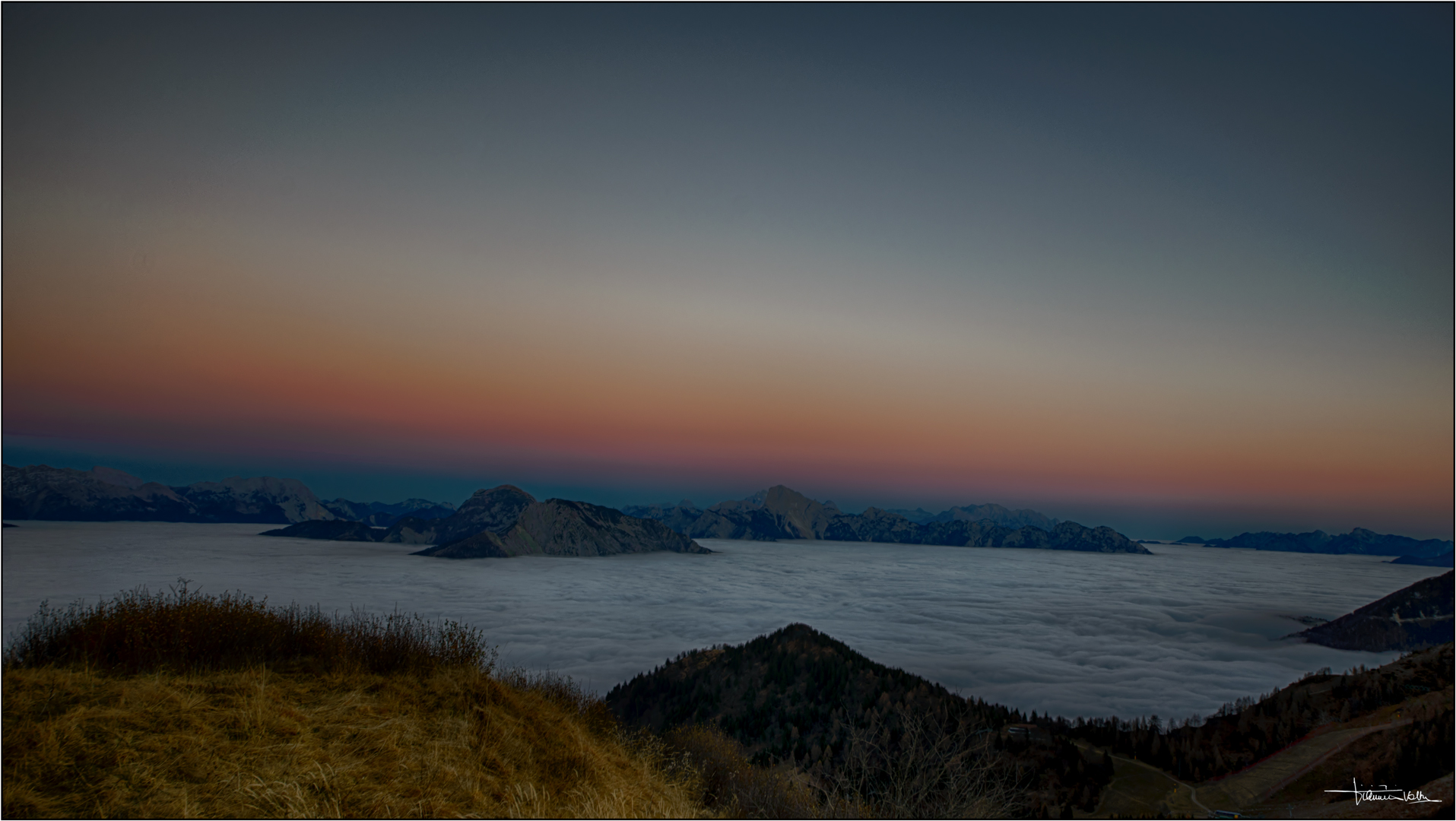 Twilight on the sea (of clouds)...