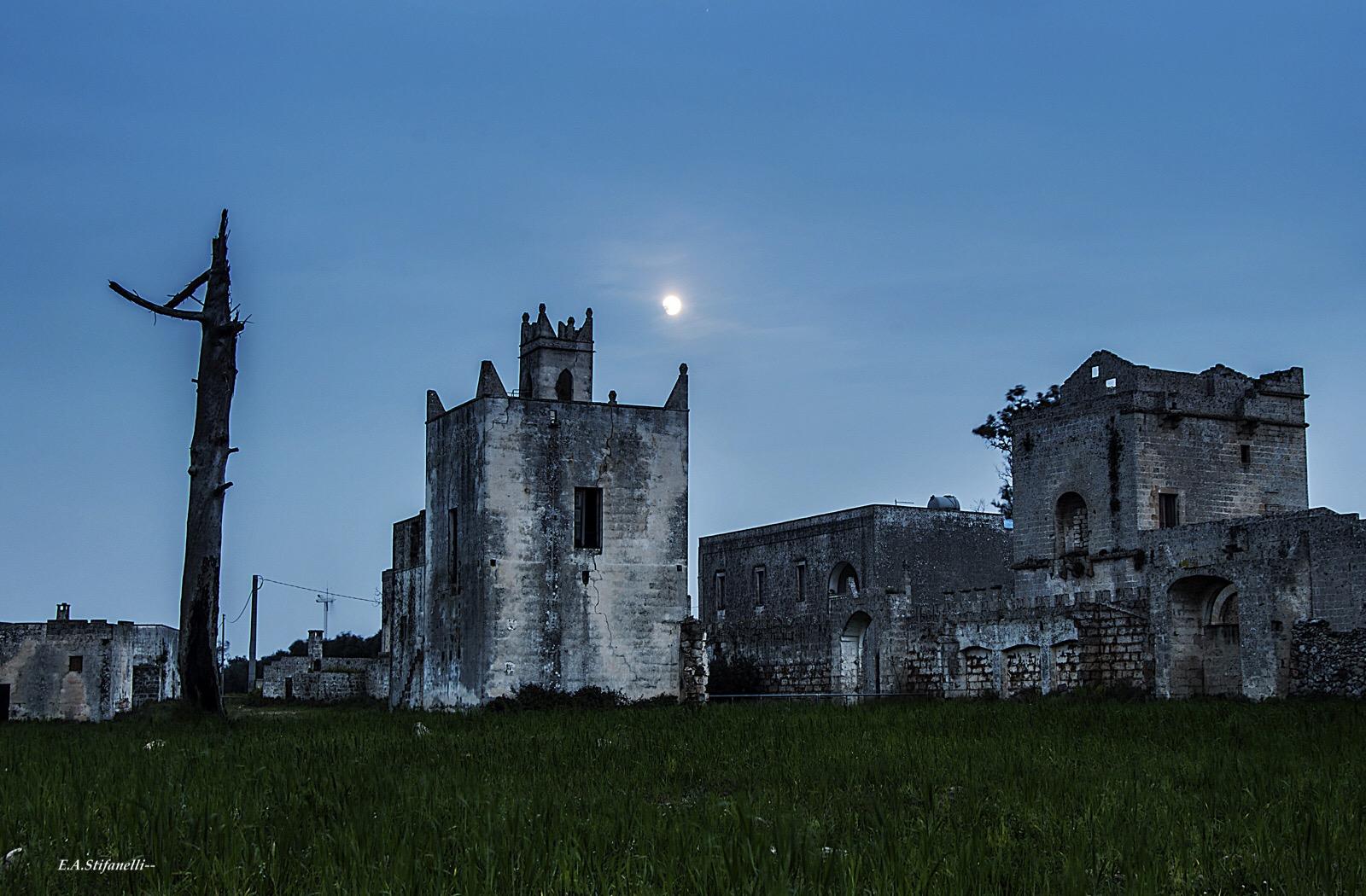 Fief in ruins...