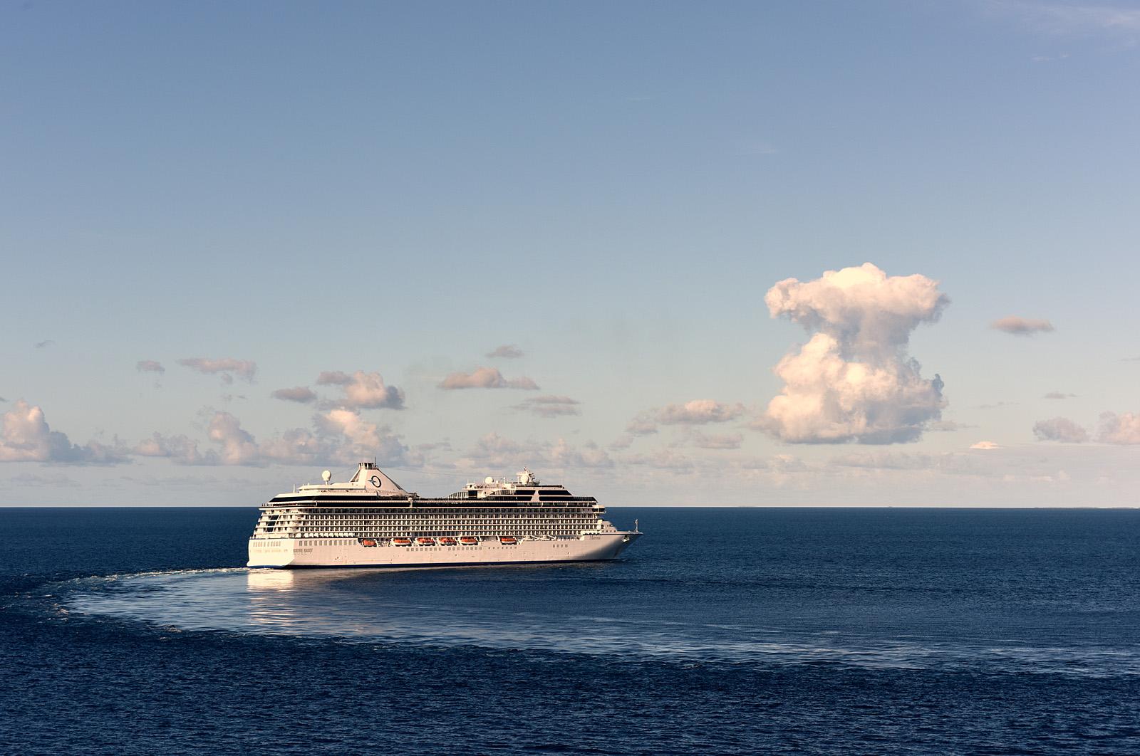 the arrival in Avatoru, Rangiroa, French Polynesia...