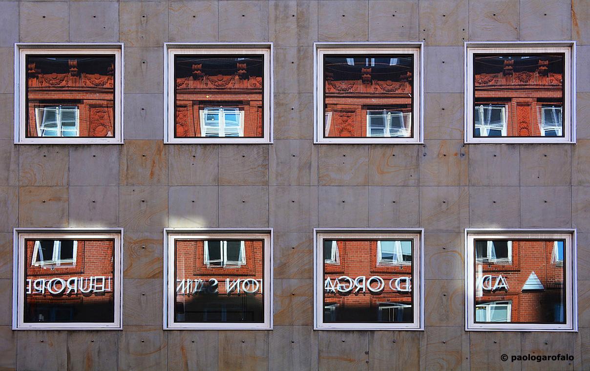 Finestre come quadri juzaphoto - Quadri con finestre ...