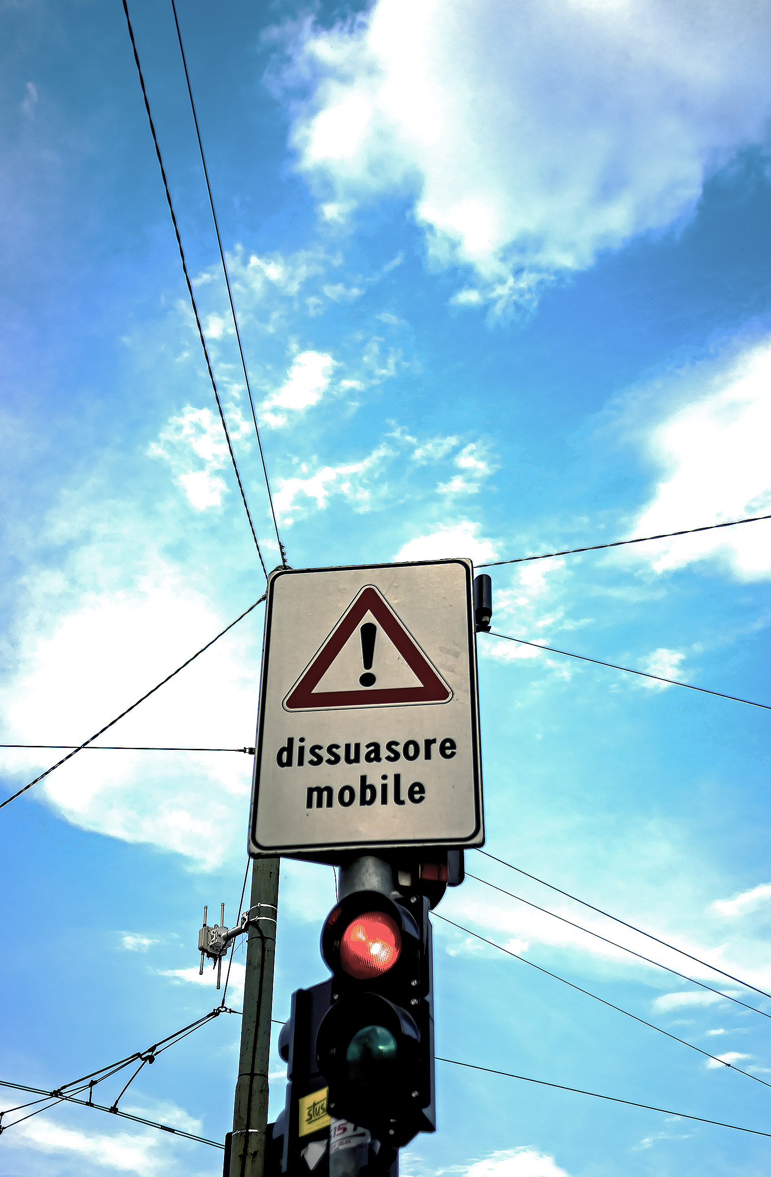 E il dissuasore mobile non ci dissuase......
