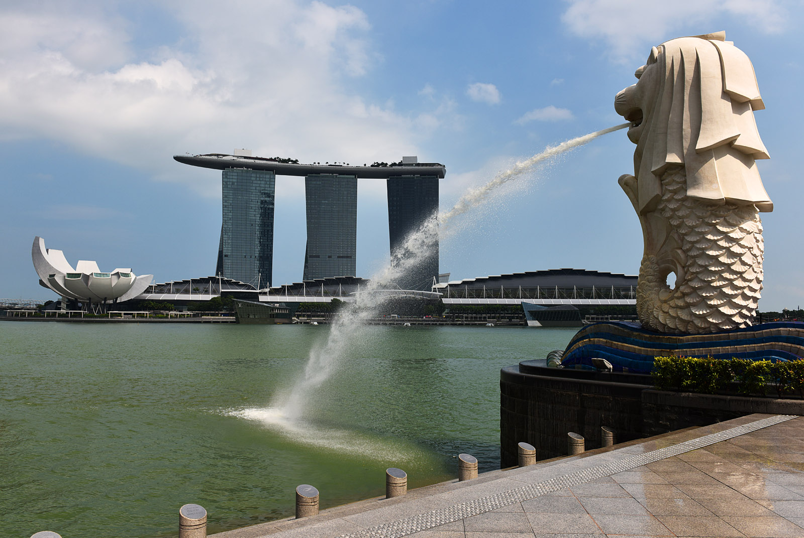 Merlion and Marina Bay Sands...