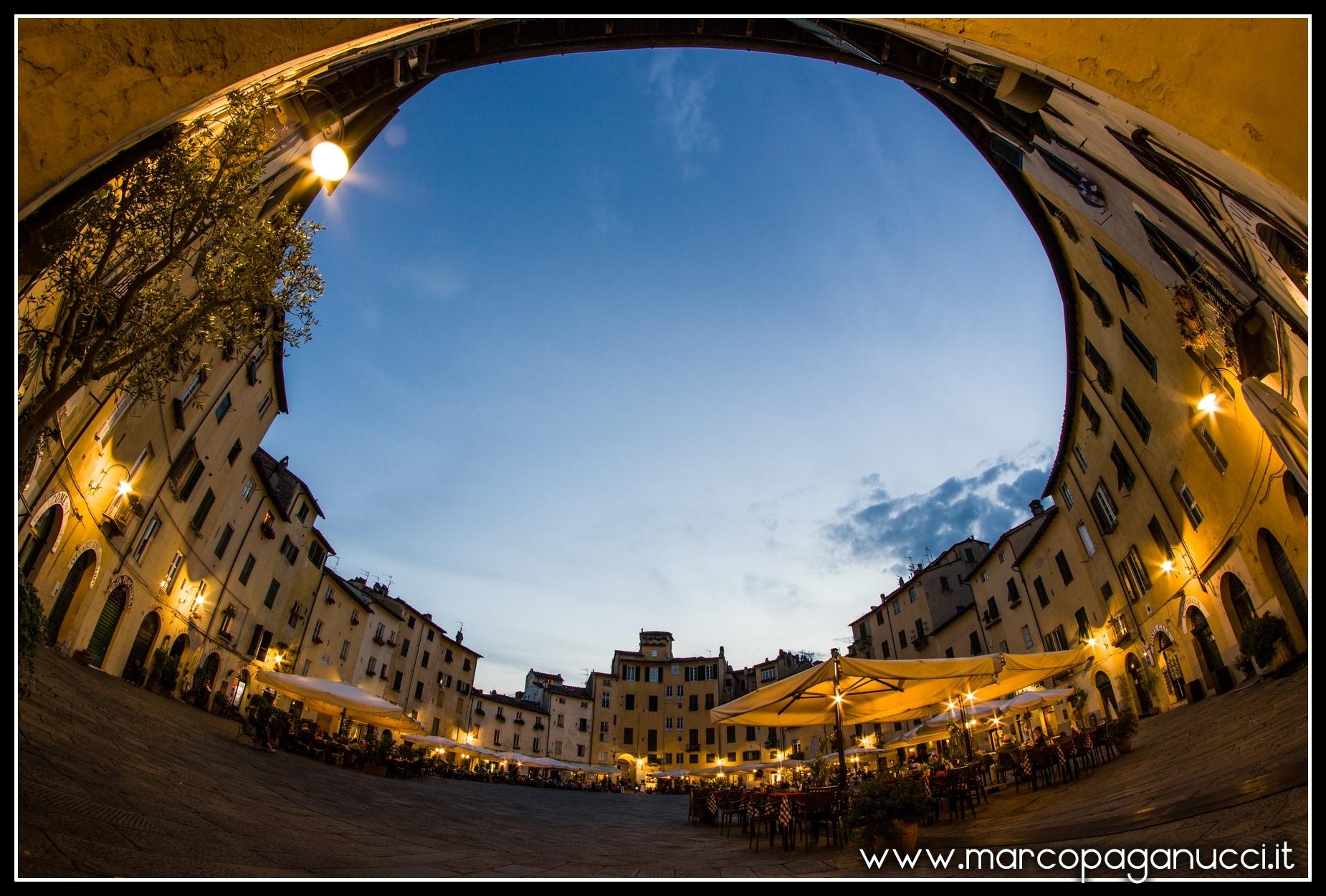 Piazza Anfiteatro Lucca...