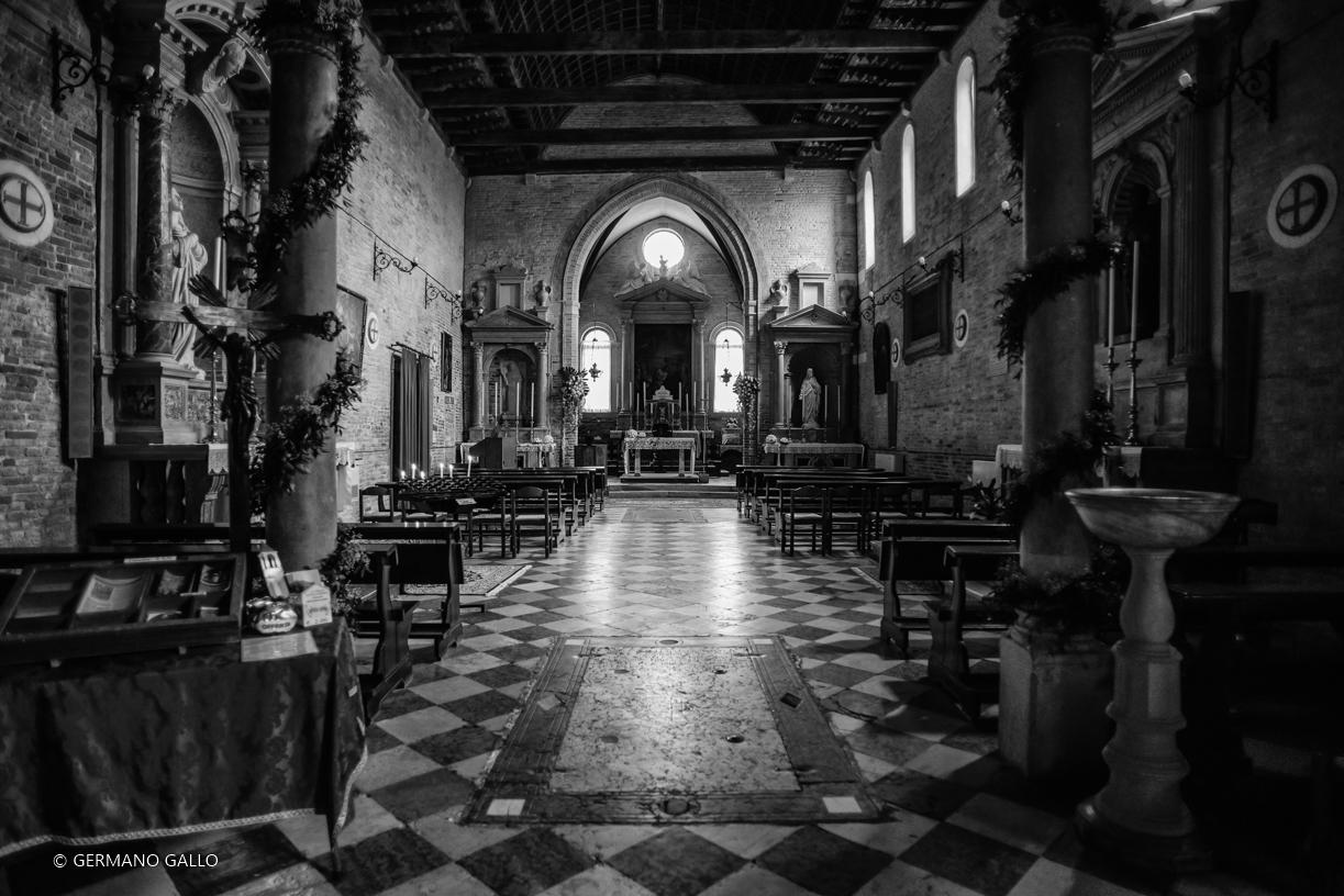 Interno religioso 1 juzaphoto for Interno j