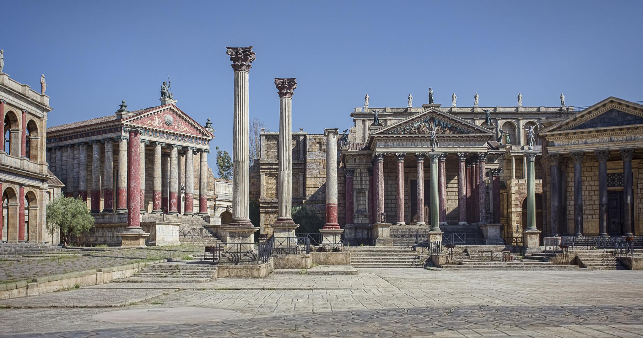 Rome... il set di cinecittà...