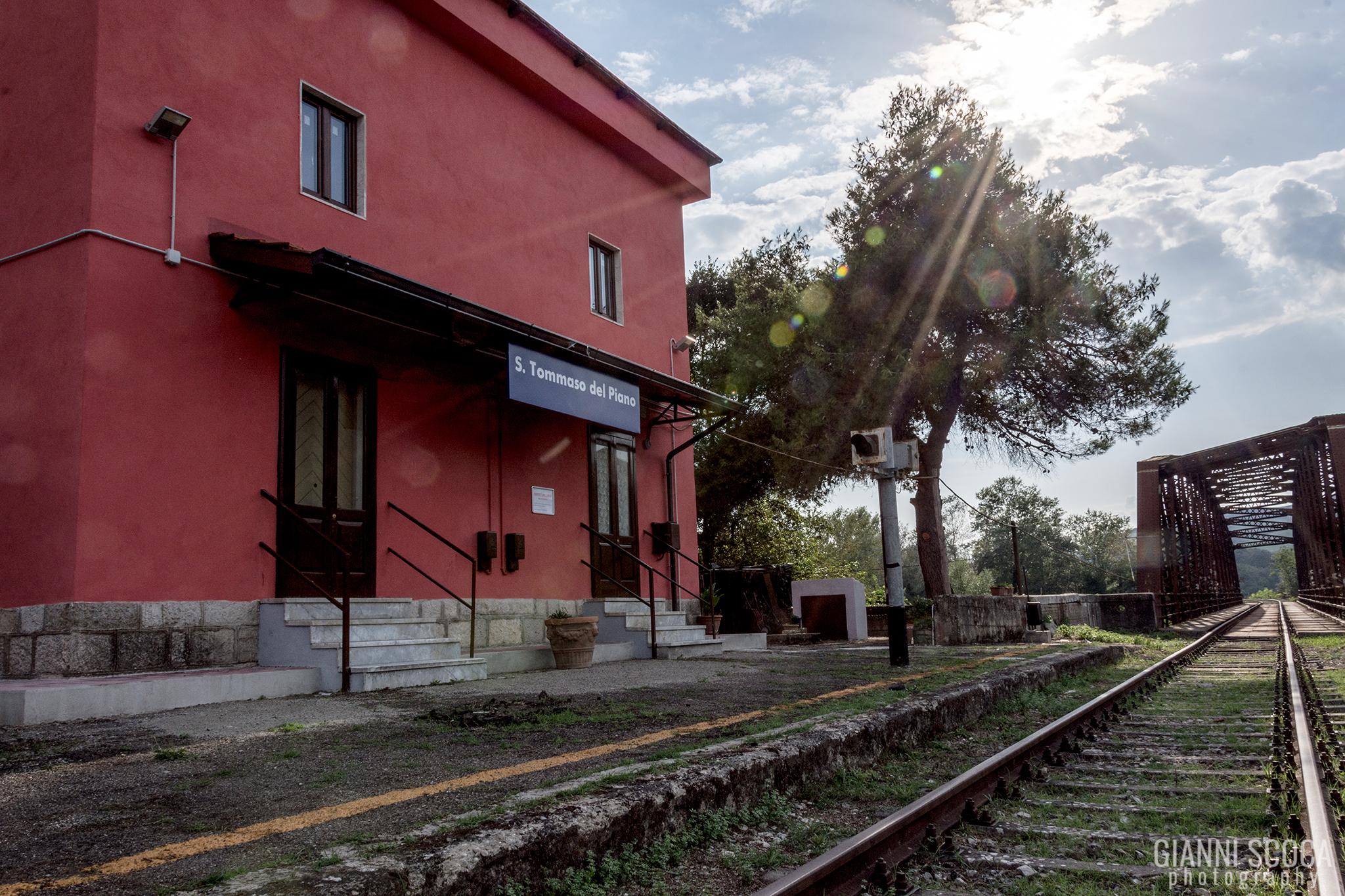 Station St. Thomas...