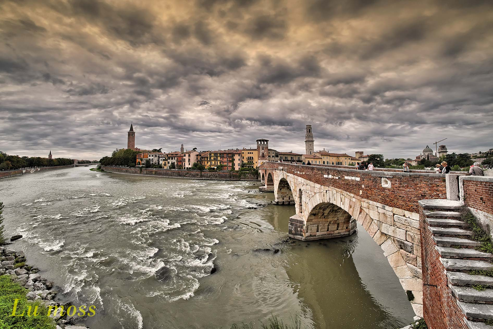 Verona-Bridge stone...
