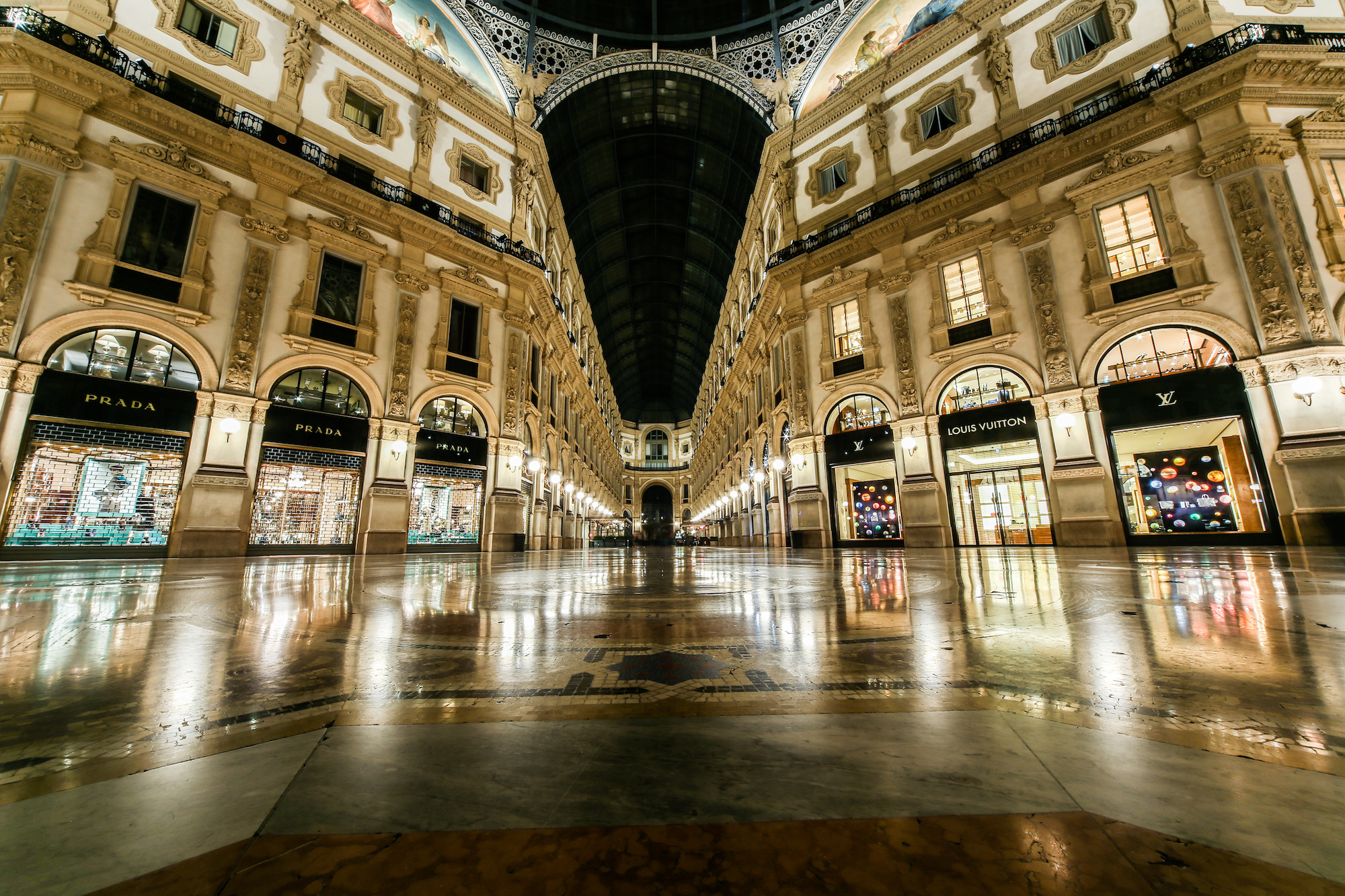 Milan, the octagon in gallery...