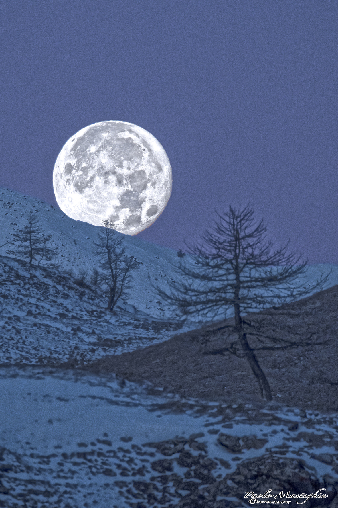 """Looking for the """"super moon"""" ......"""