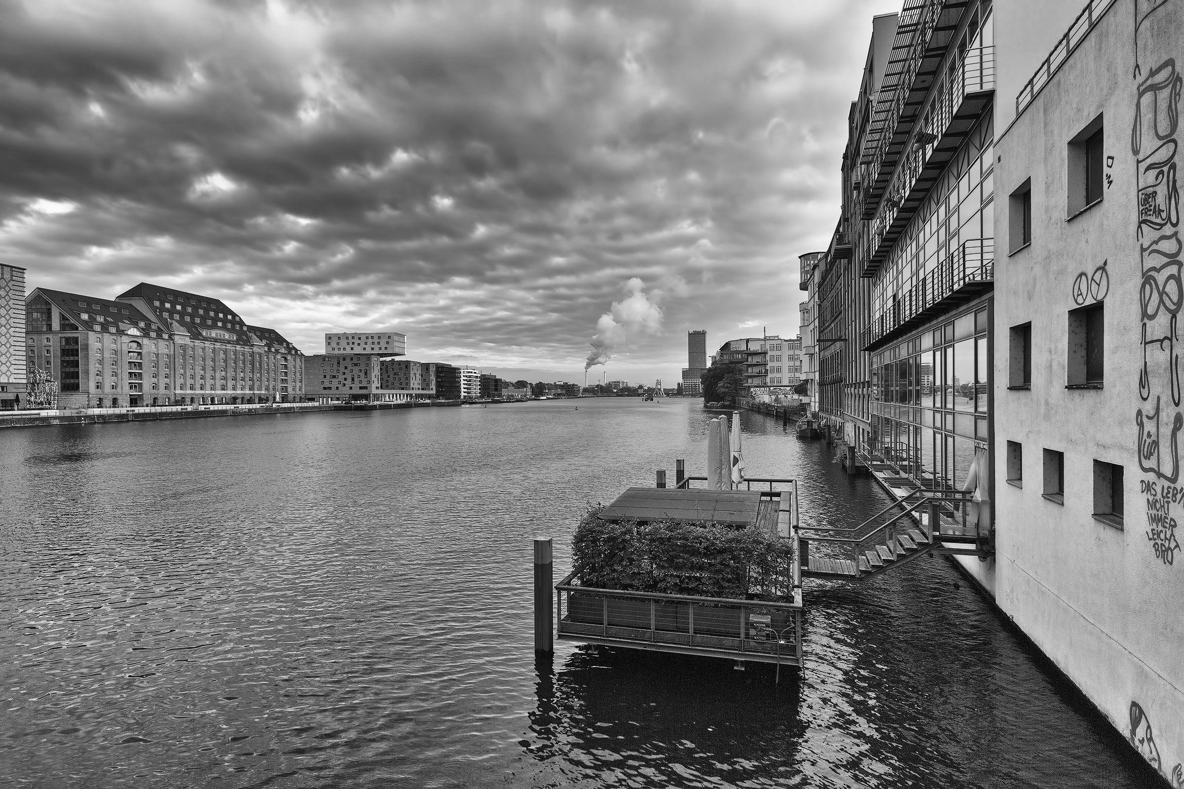 dall'Oberbaumbrücke views...