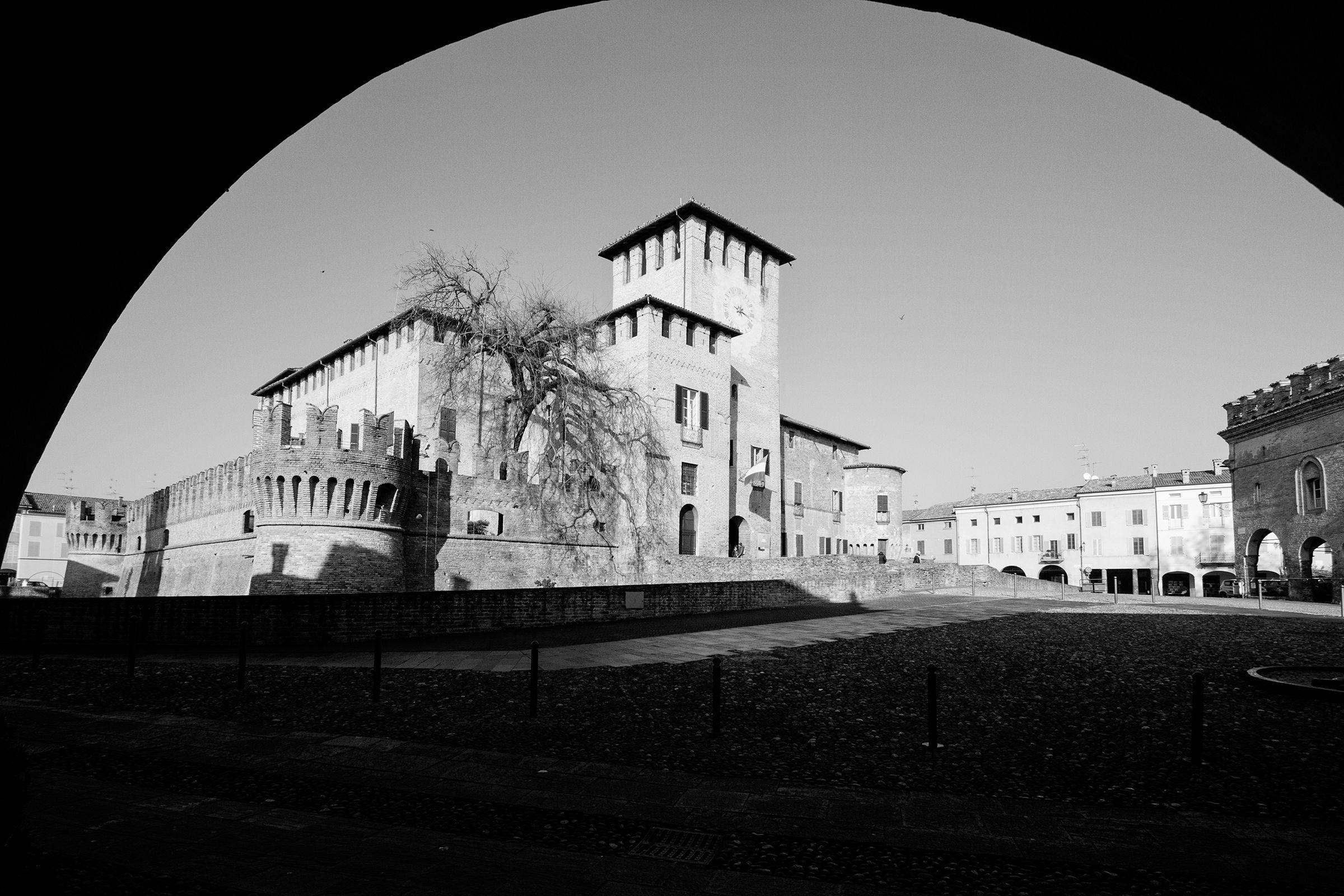 Fontanellato Castello (b & w)...