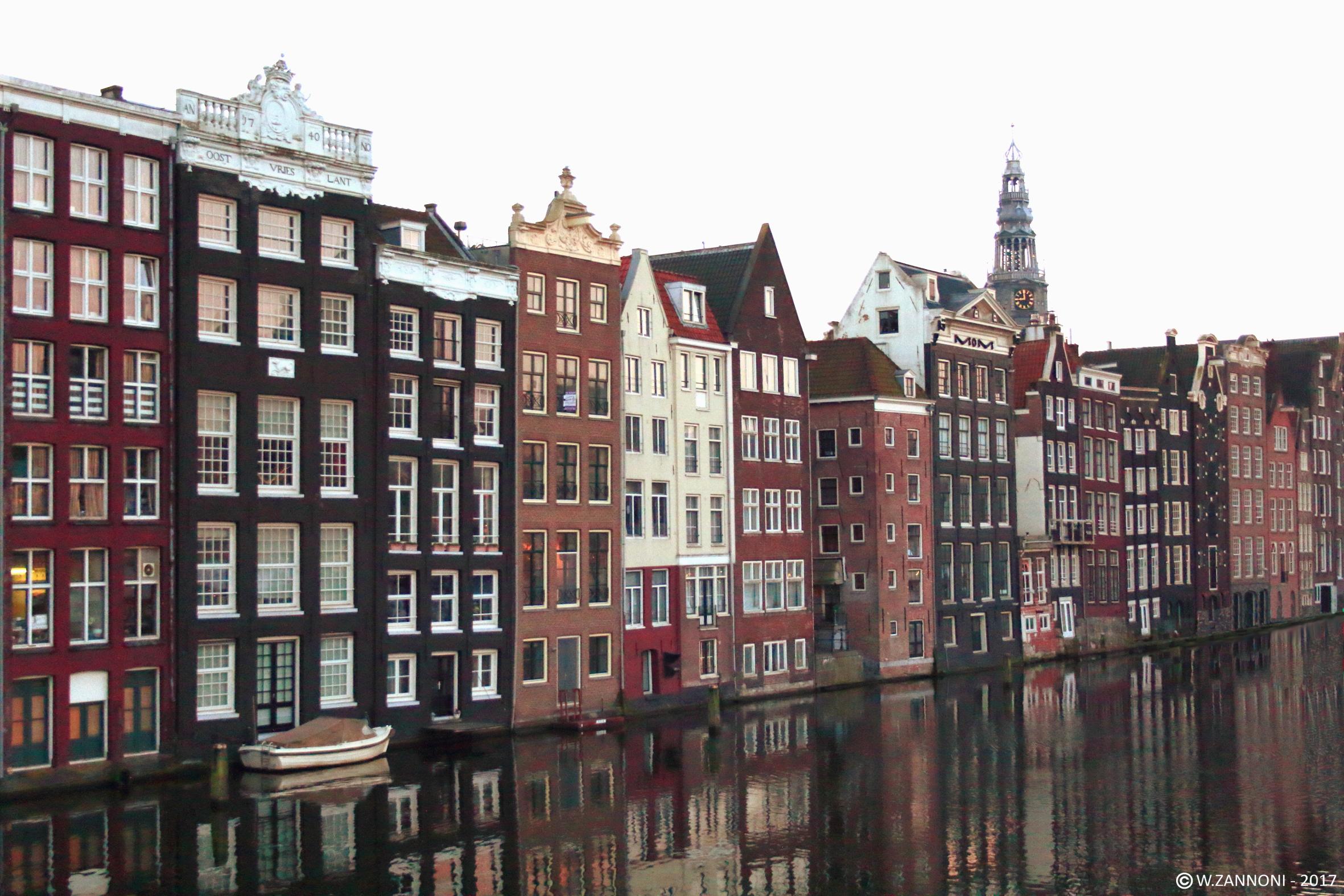 Il risveglio di Amsterdam...