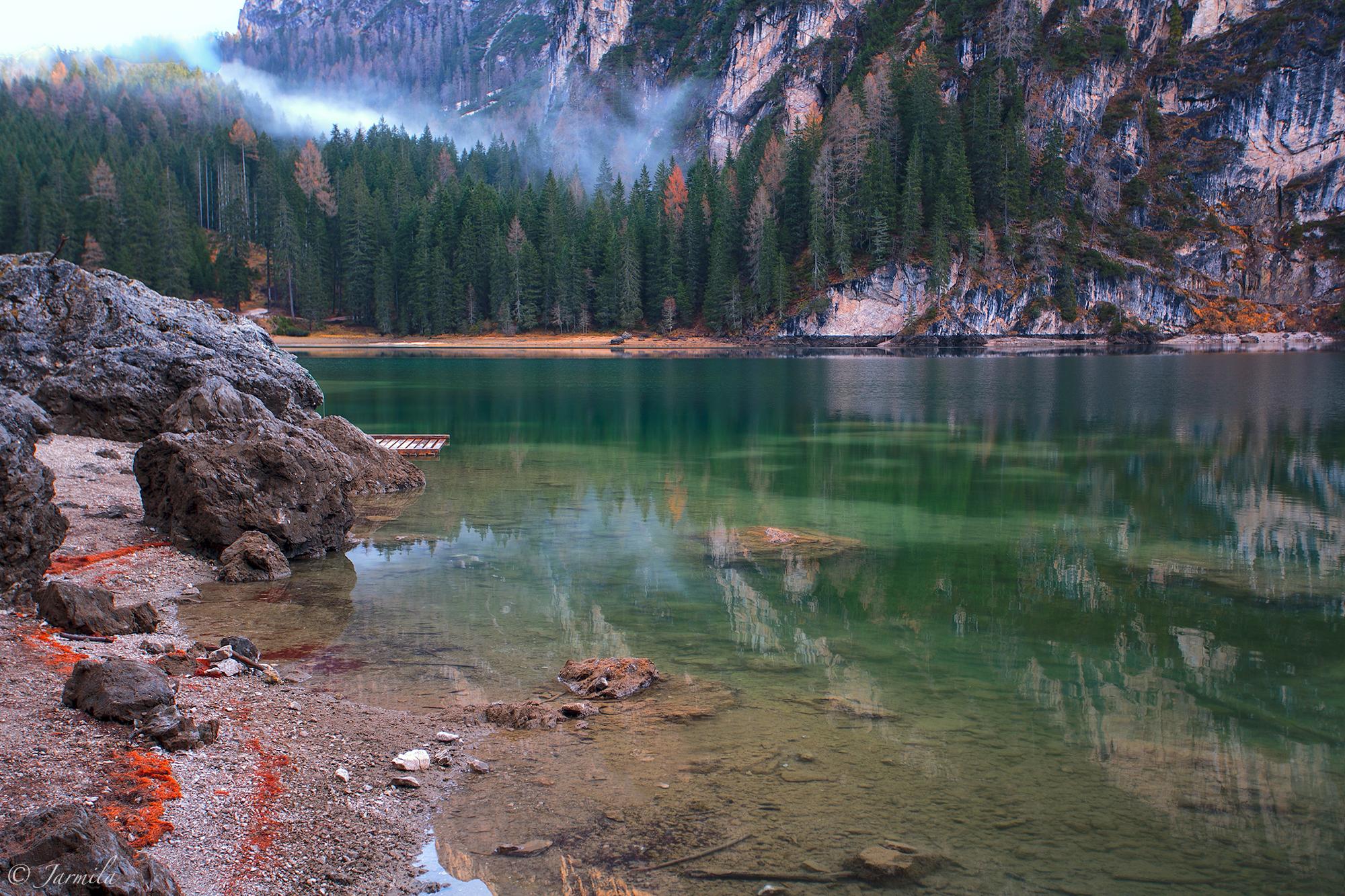 Lago di Braies - un polmone verde nelle Dolomiti...