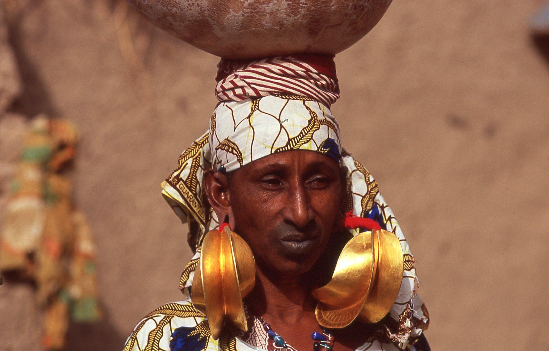 Malian women...