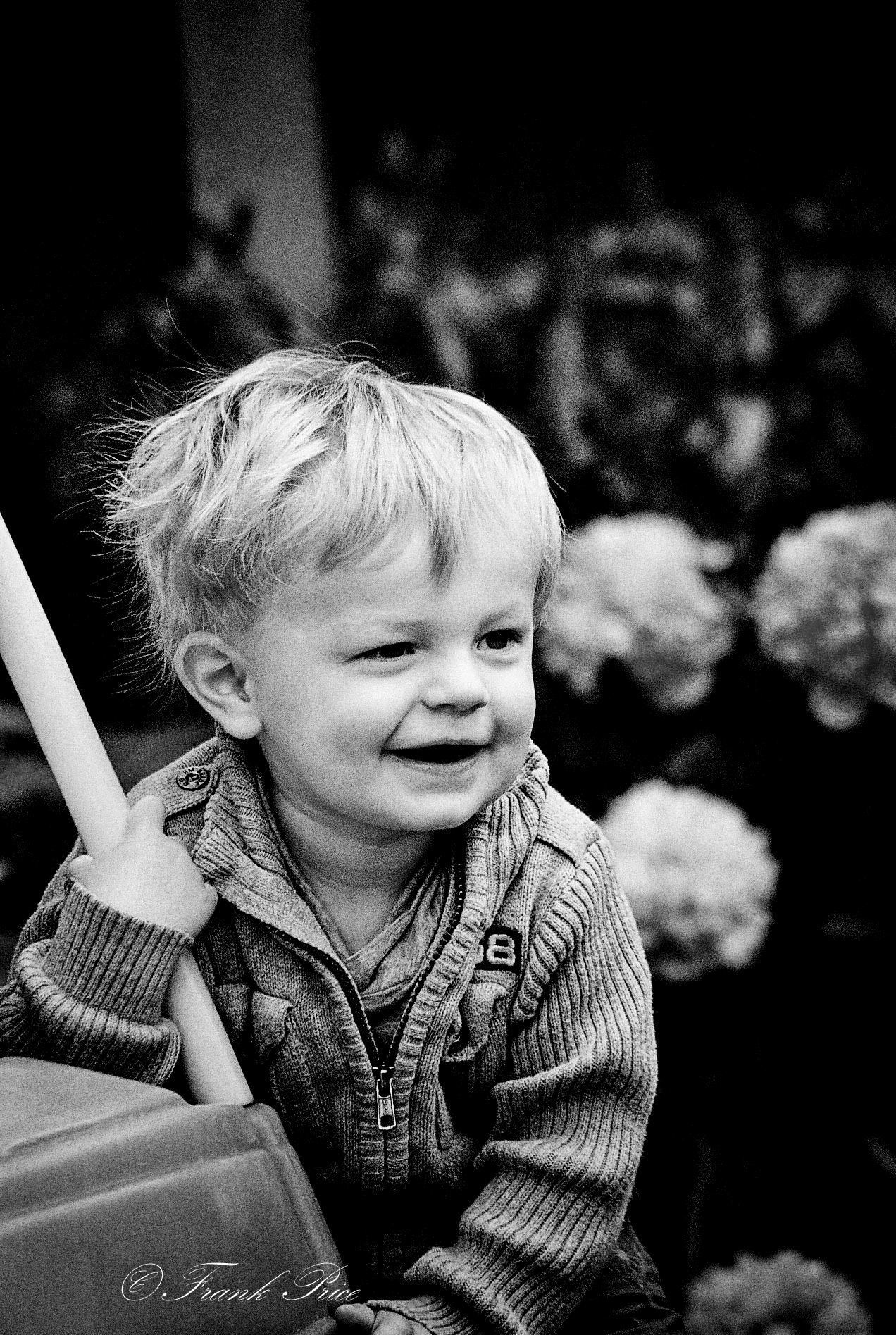Felice piccolo uomo...