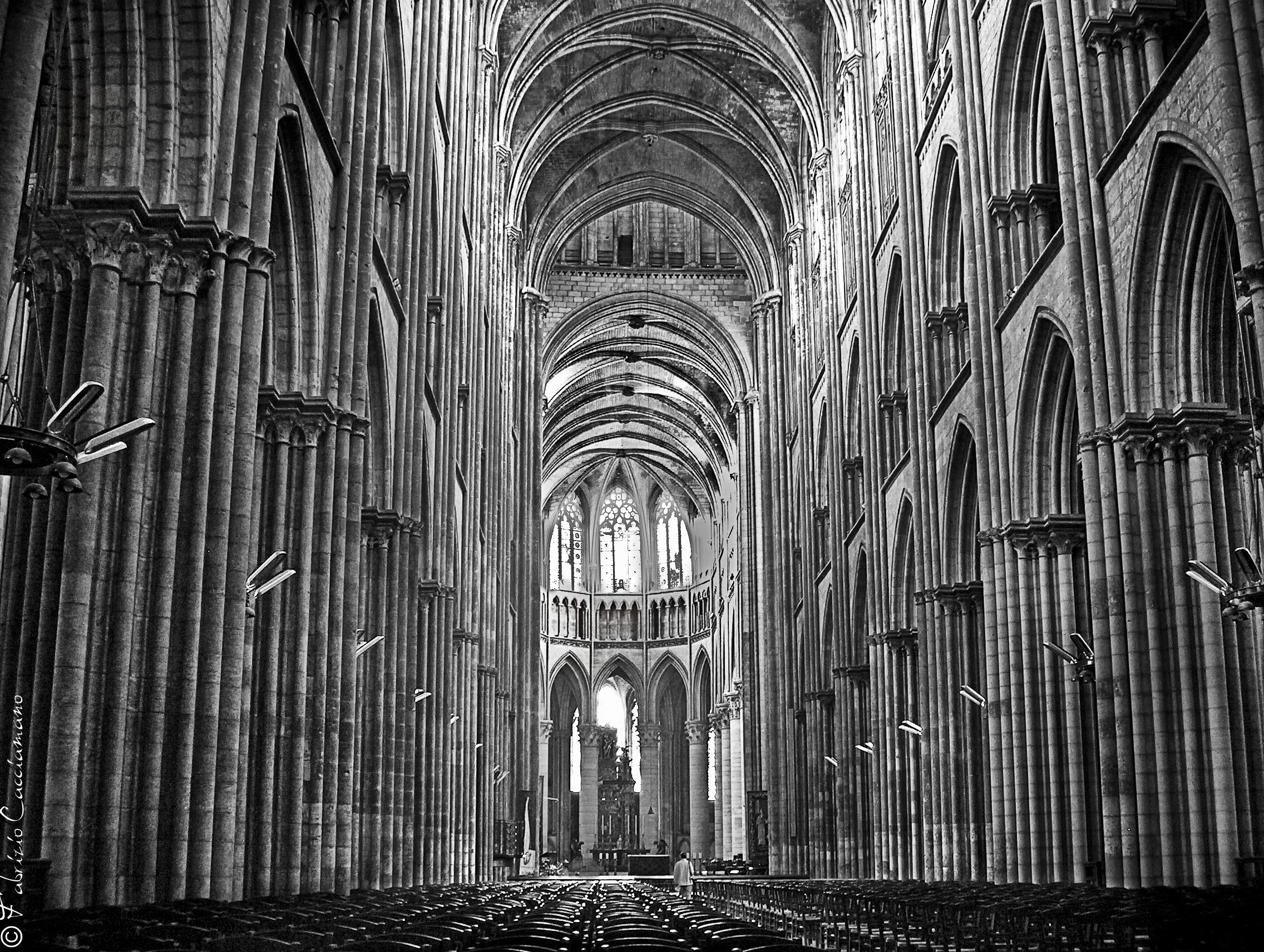 Interno cattedrale di Ruen (Francia)...
