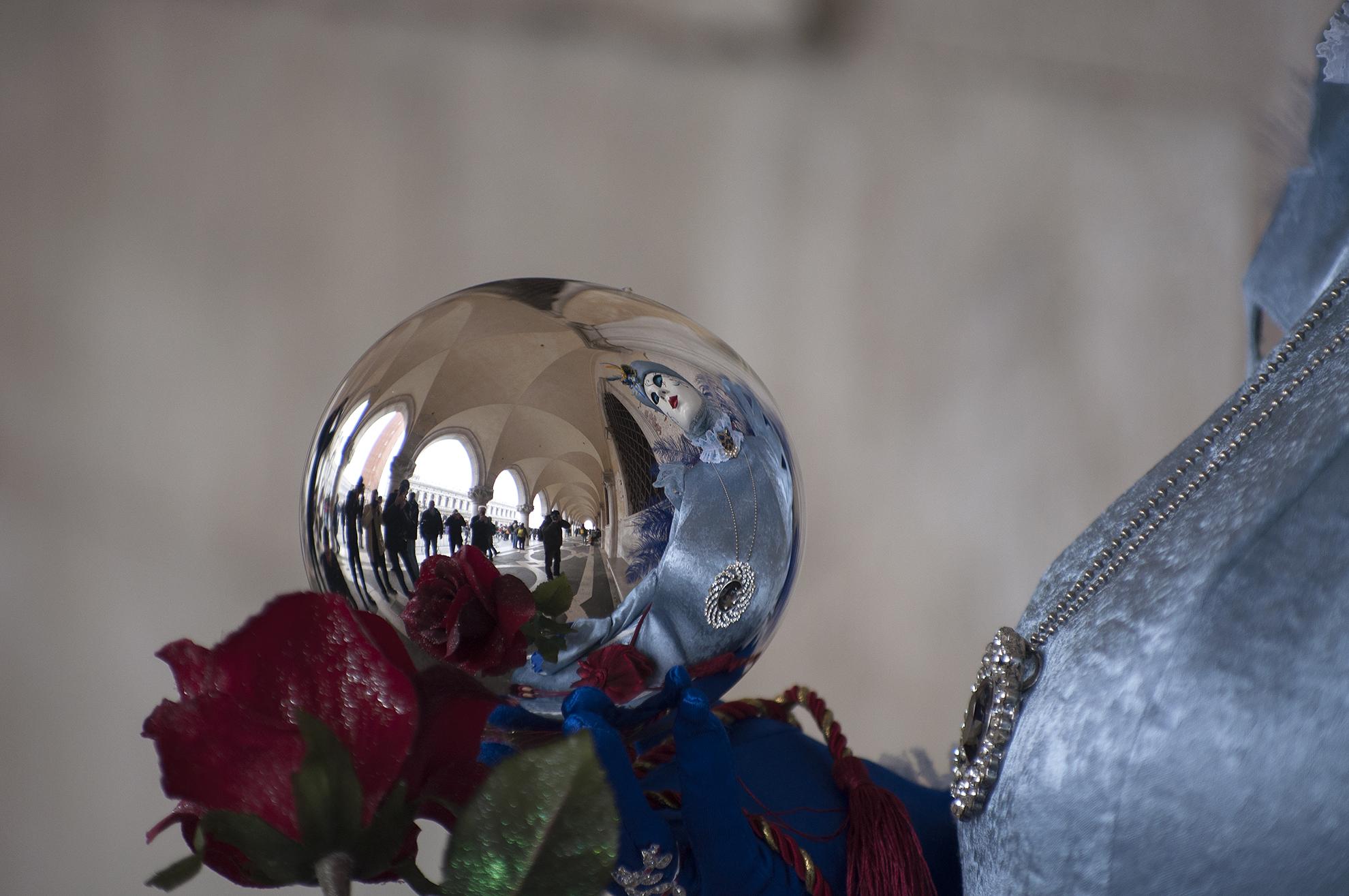 Carnevale Venezia ....La sfera magica...