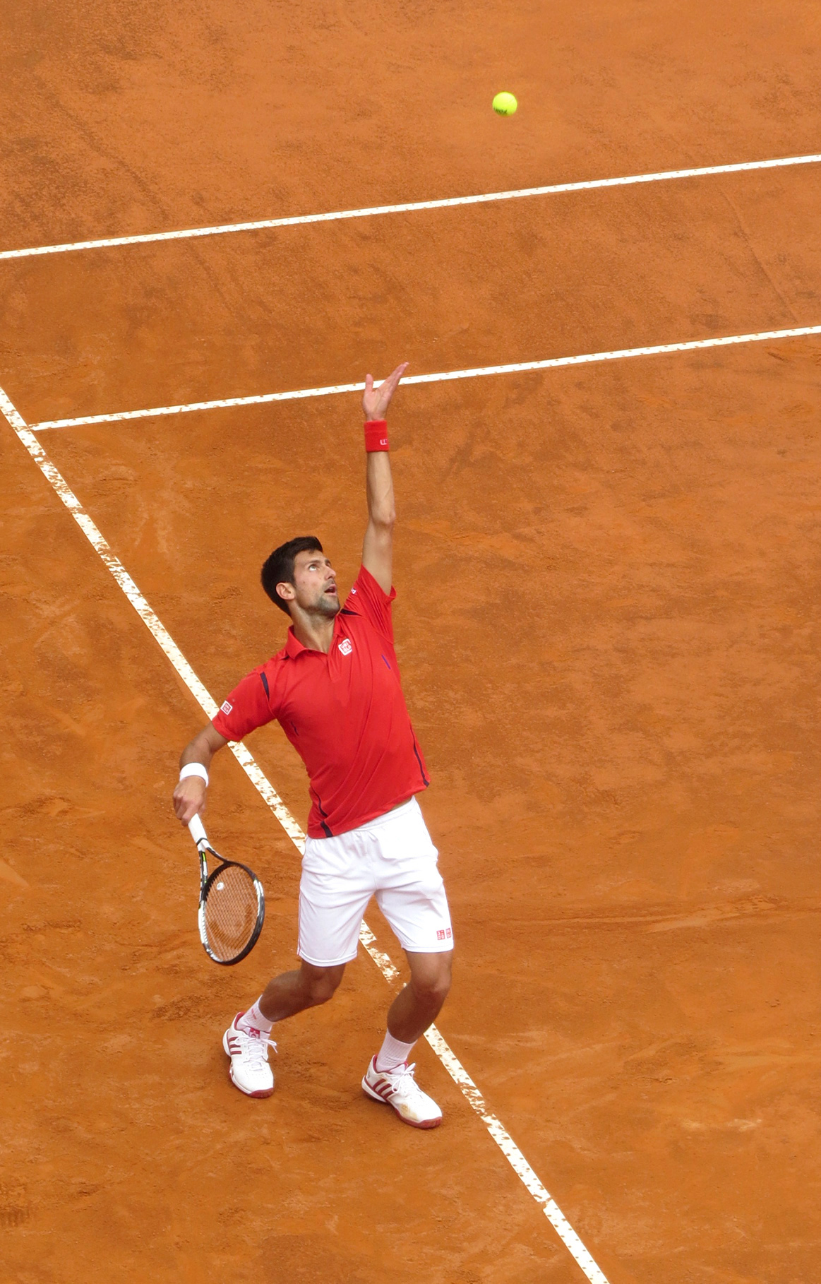 Nole to the service...