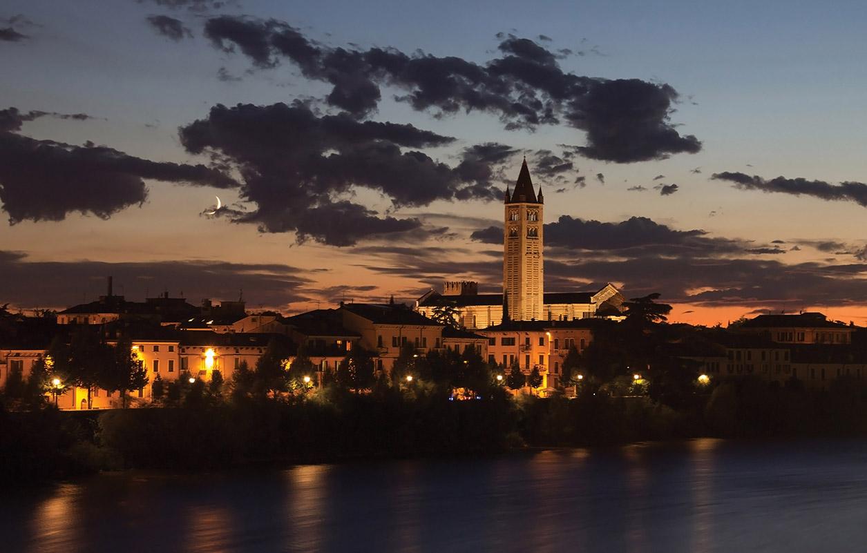 Crepuscolo in riva all'Adige...