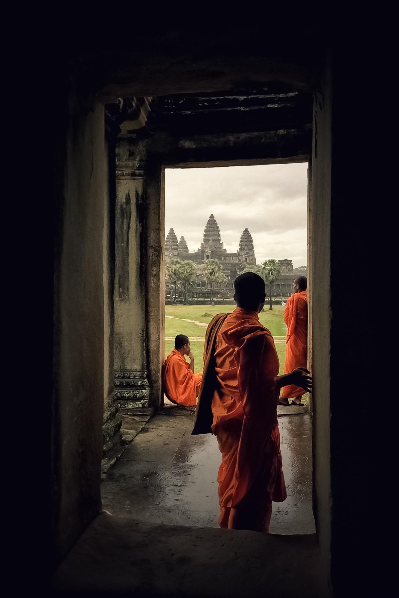 Monks to Angkor Wat...