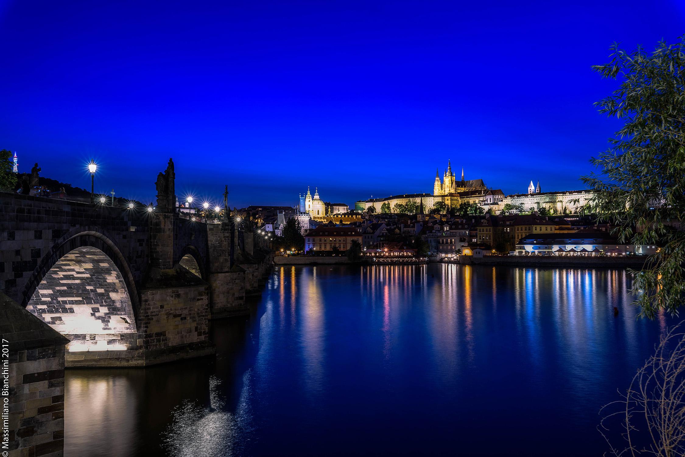 Praga by night...