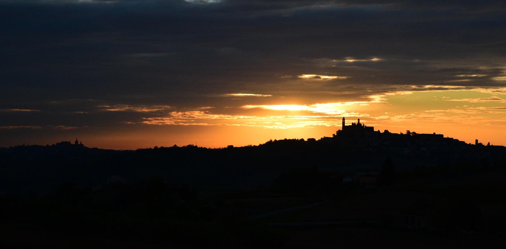 profile of Monferrato at dawn...