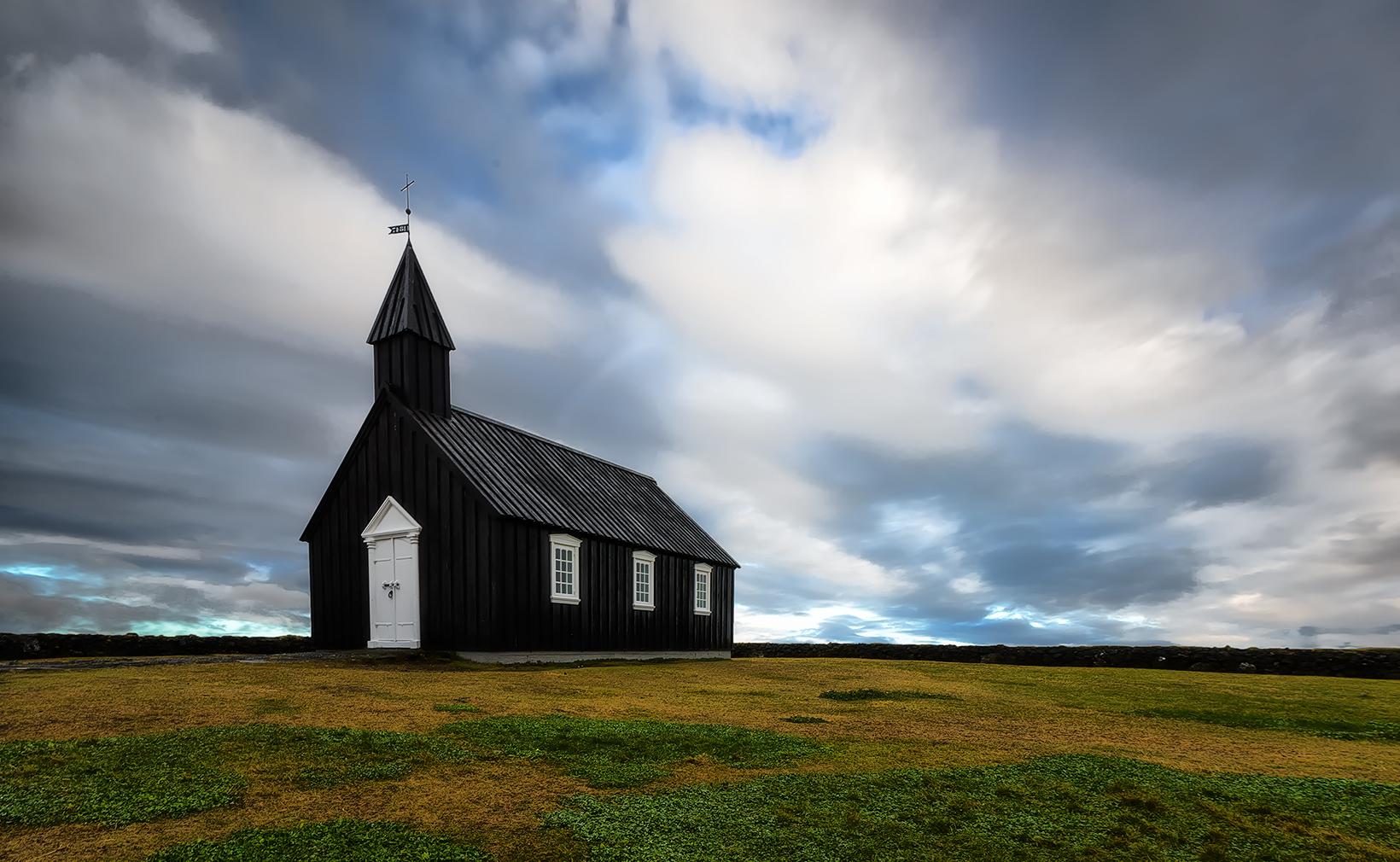 Budir, la chiesa nera...
