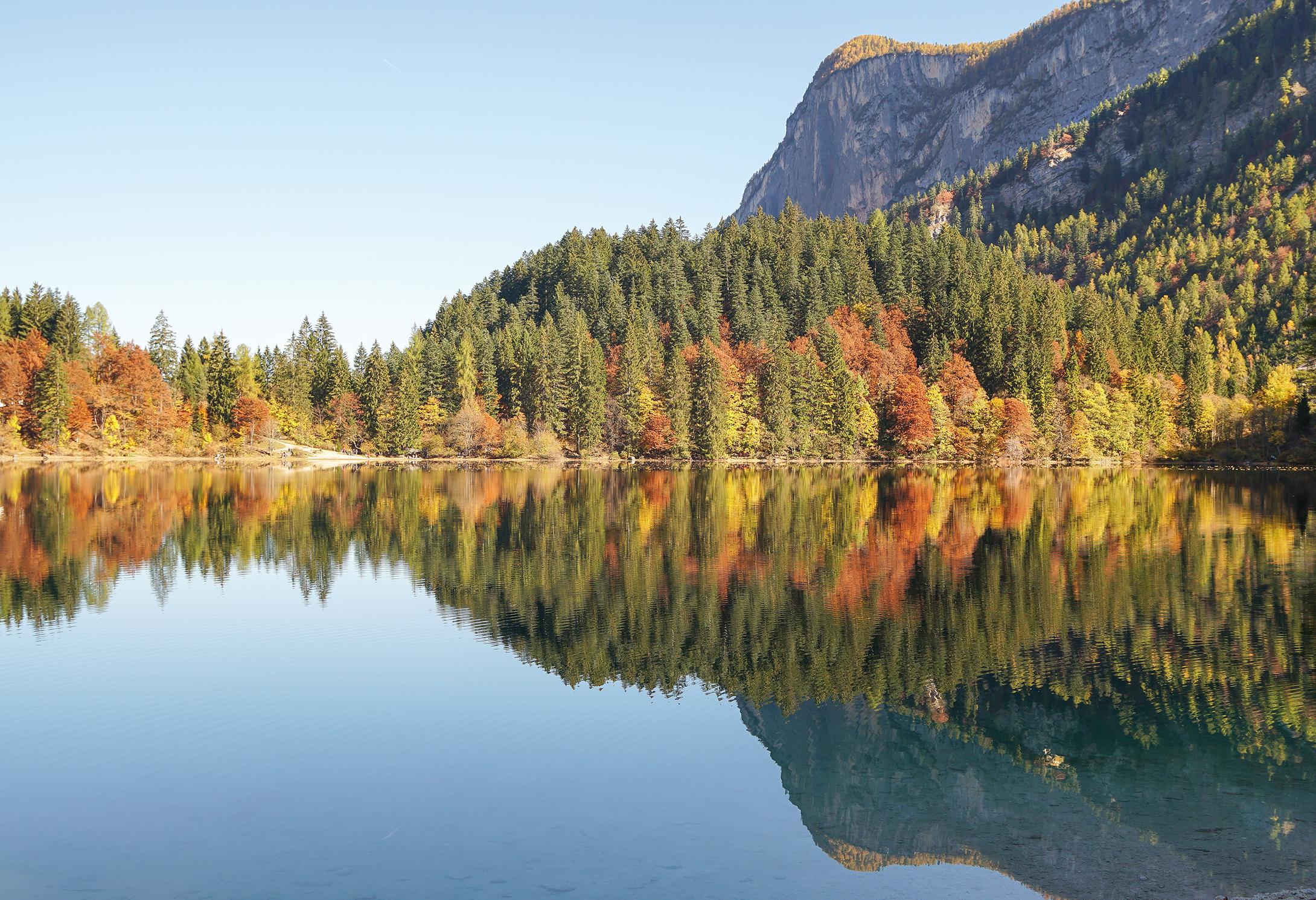 autumn to the lake of tovel...